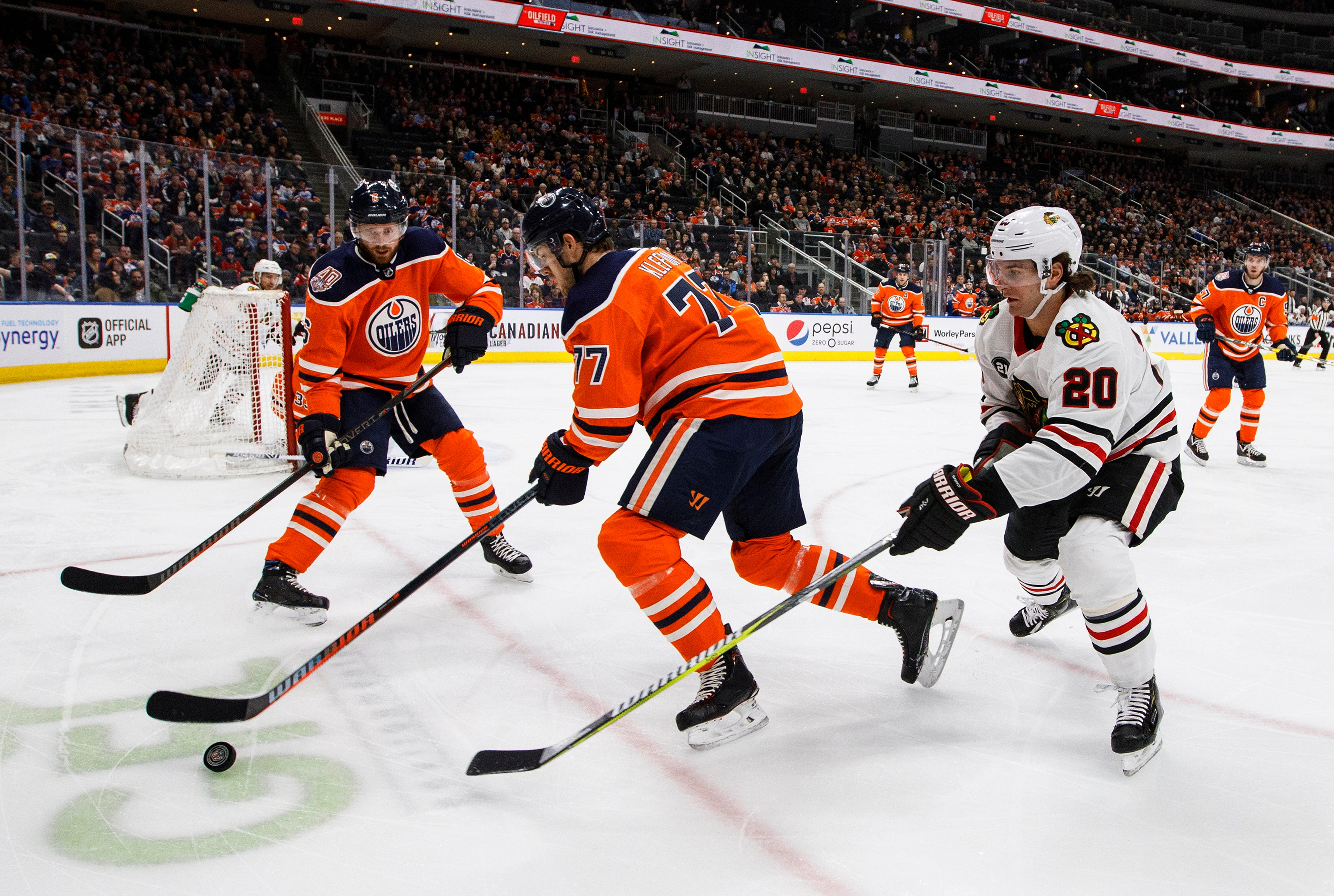 Kane leads surging Blackhawks to 6-2 over Oilers