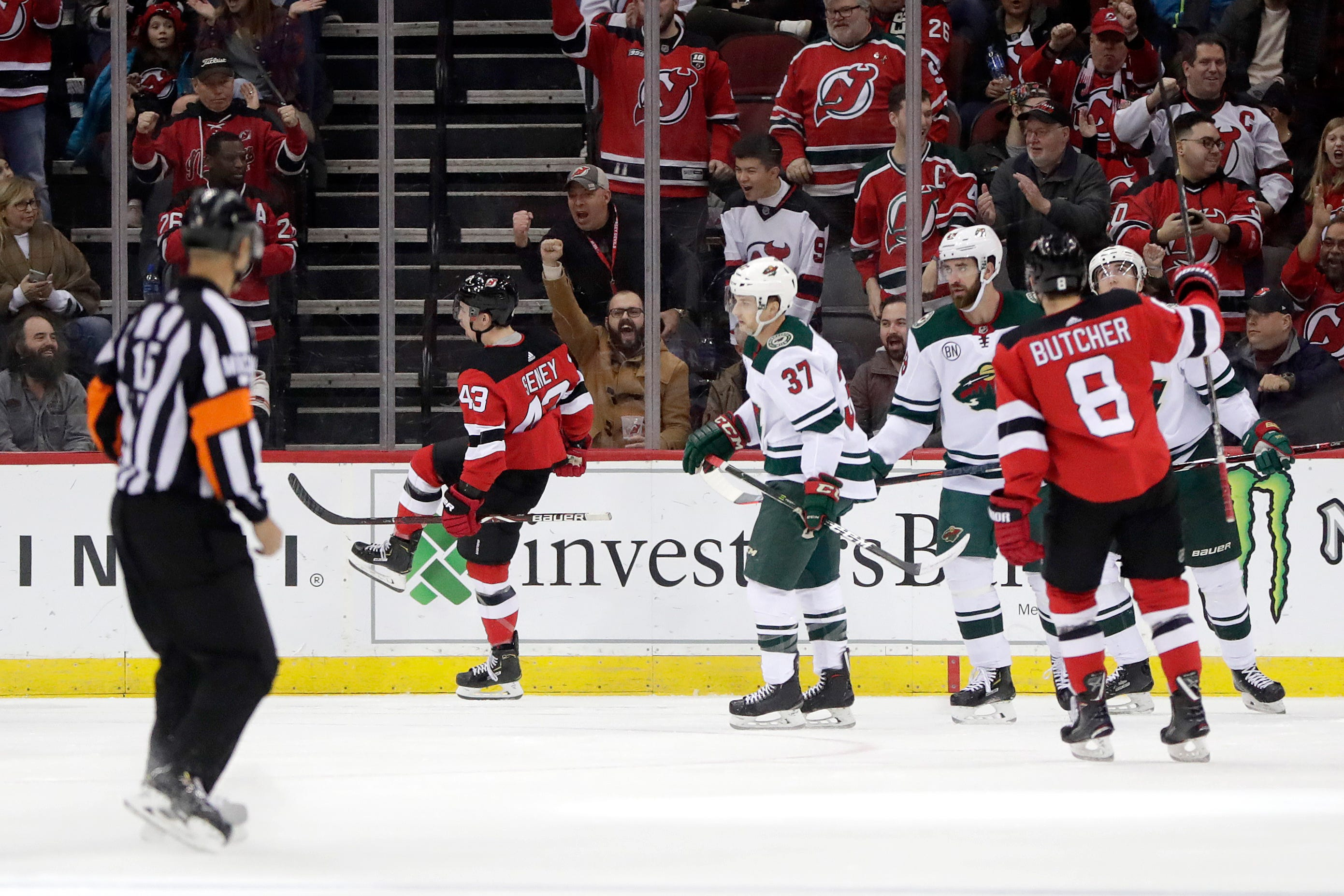 Parise scores go-ahead goal, Wild snap 4-game losing streak