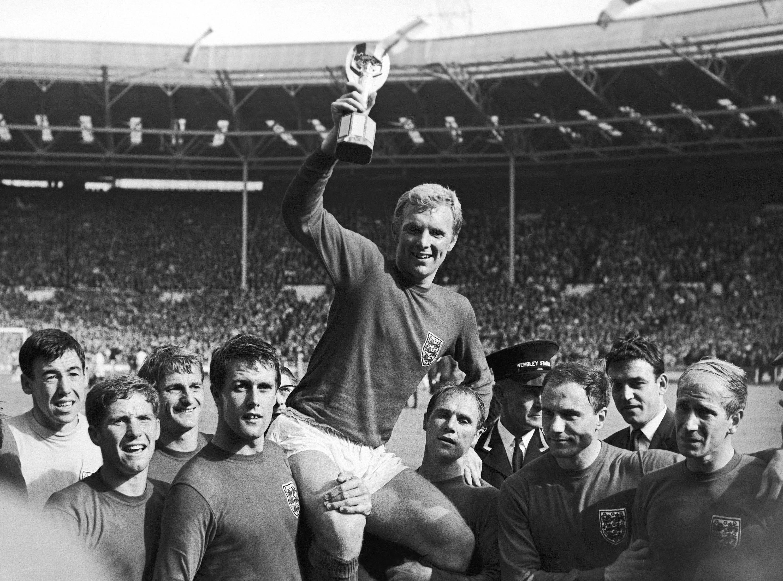 World Cup-winning England goalkeeper Gordon Banks dies at 81