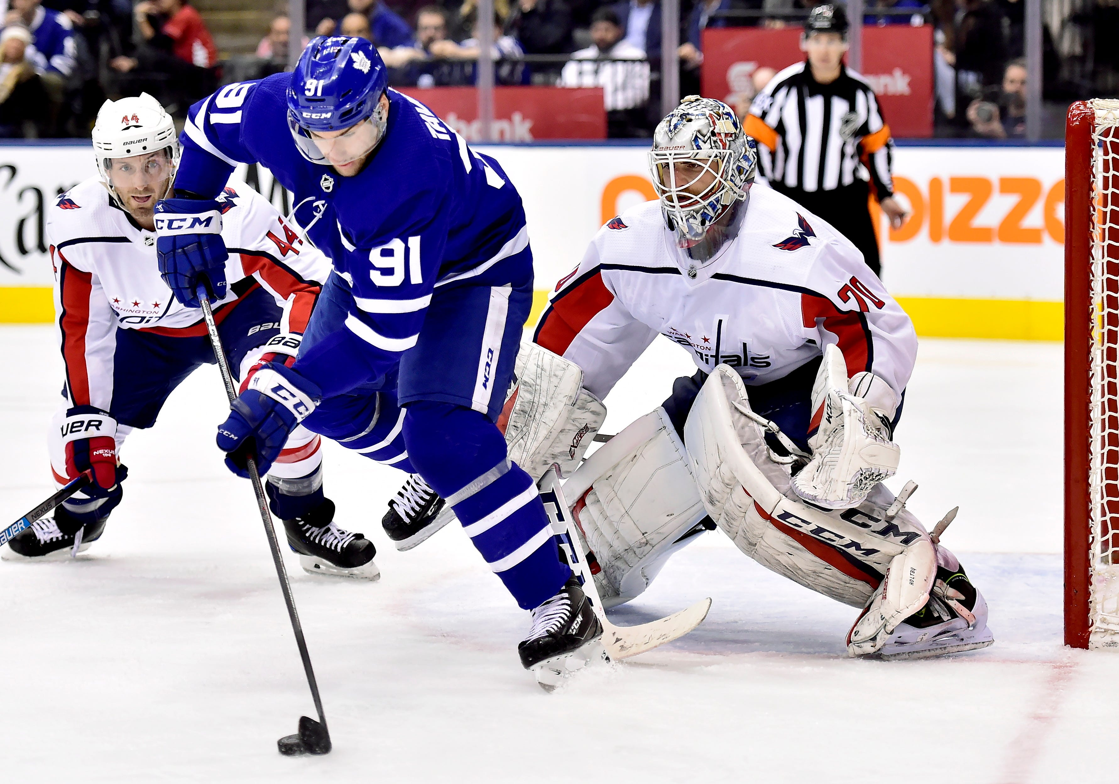 Ovechkin, Holtby lead Capitals past Maple Leafs 3-2