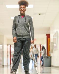 Amazing way high schoolers embrace the new girl