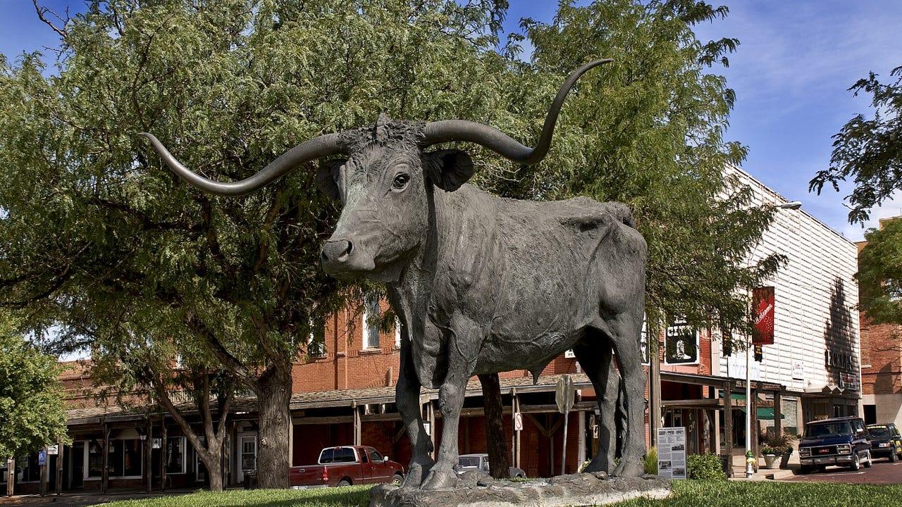 4. Dodge City, Kansas • Annual avg. wind speed: 13.1 mph • Annual max. wind speed: 82 mph • Daily mean temp.: 55.33degrees Fahrenheit