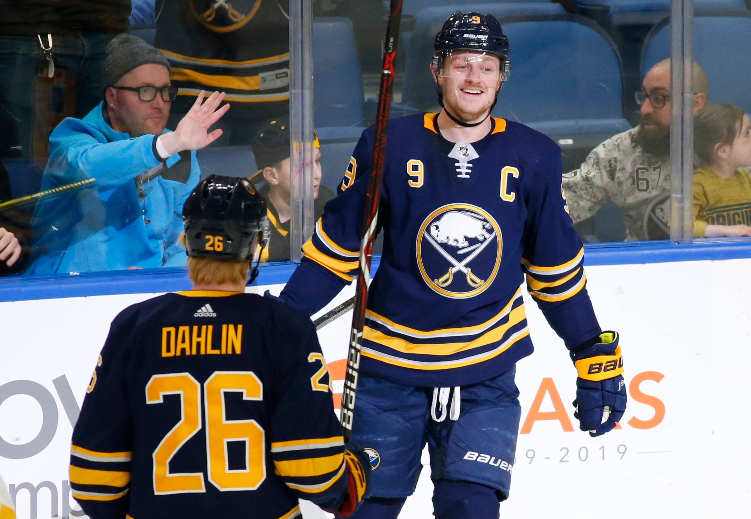 Conor Sheary scores 2 in Sabres' 4-3 OT win over Penguins