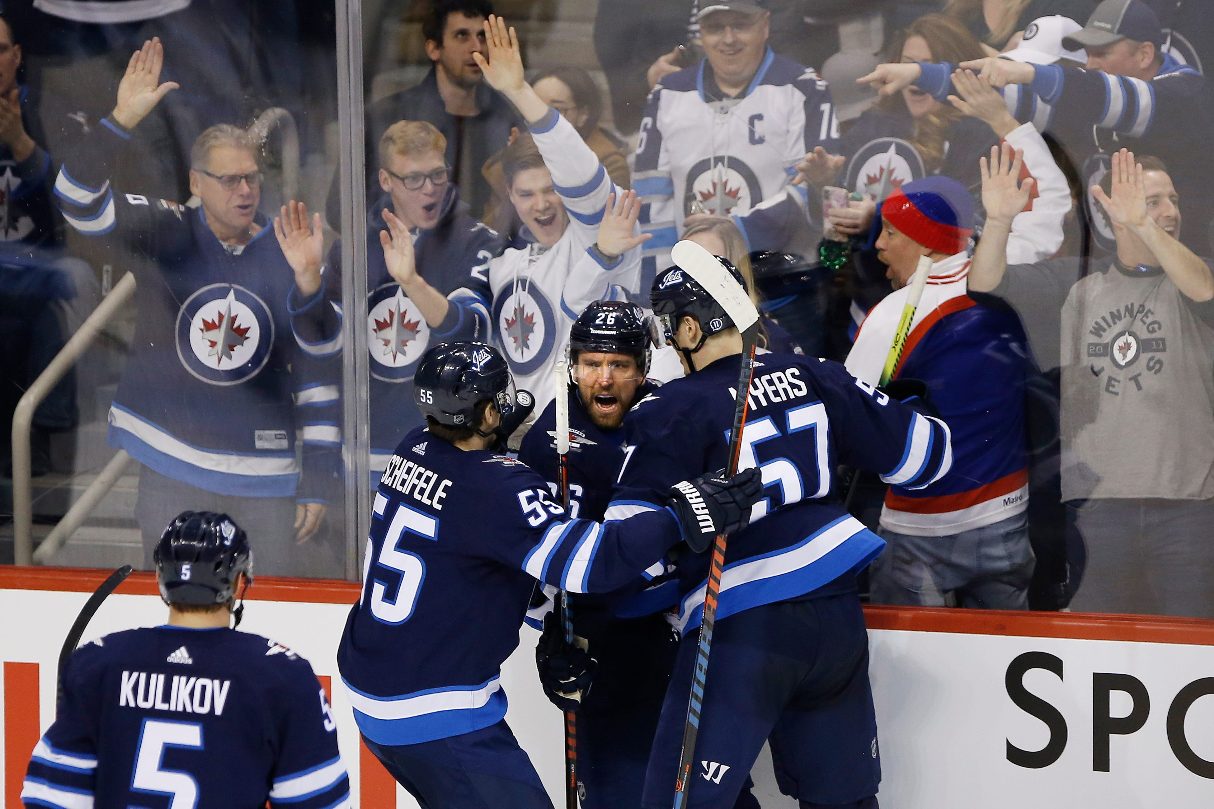 Hayes scores 1st goal with Jets in 5-3 win over Predators