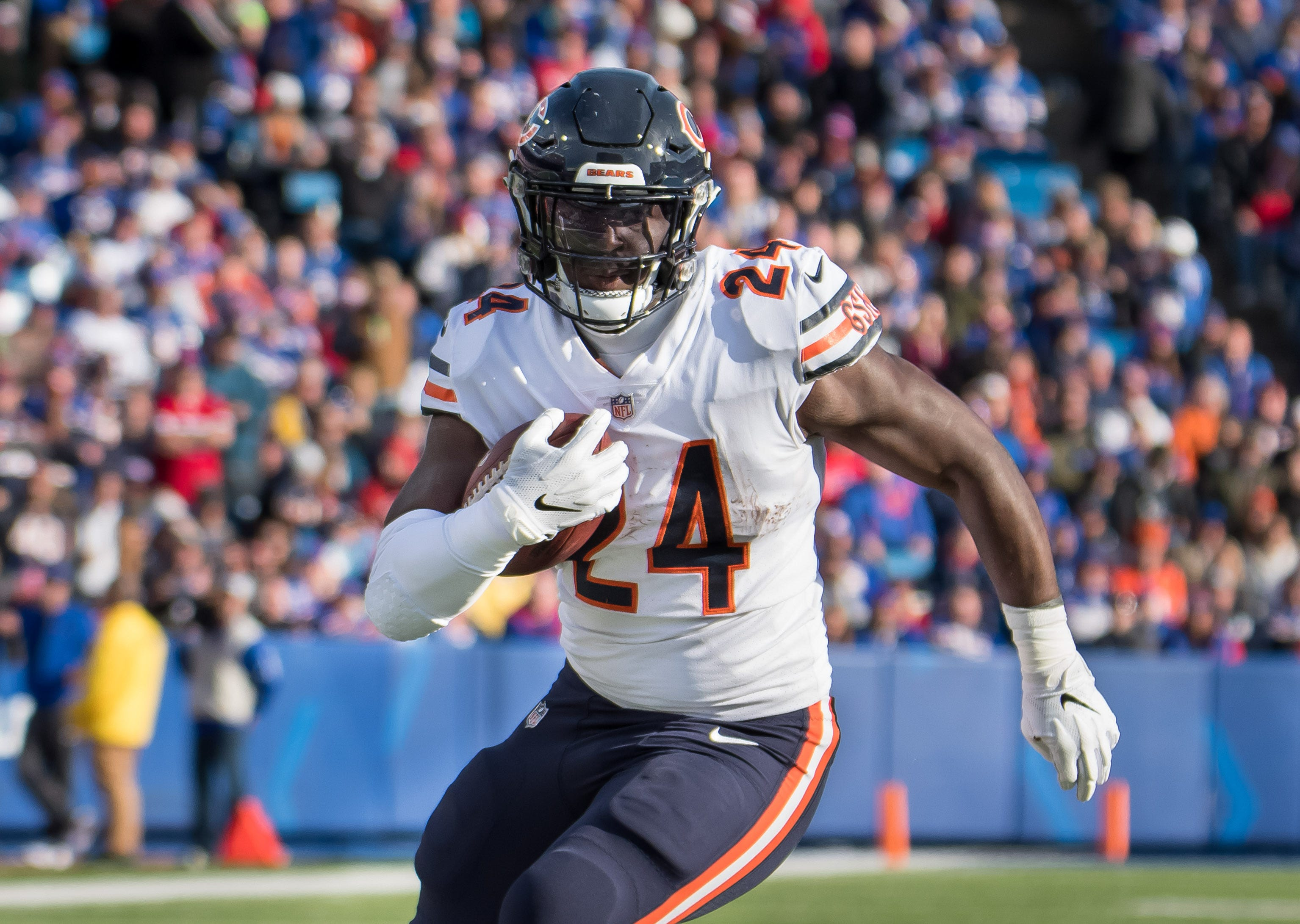 Eagles trade for a lead running back, getting Jordan Howard from Bears