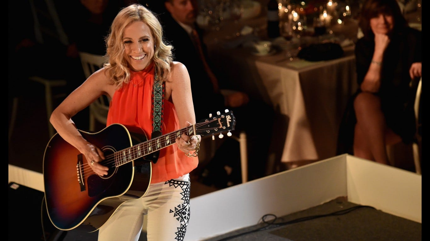 Sheryl Crow duets with Johnny Cash