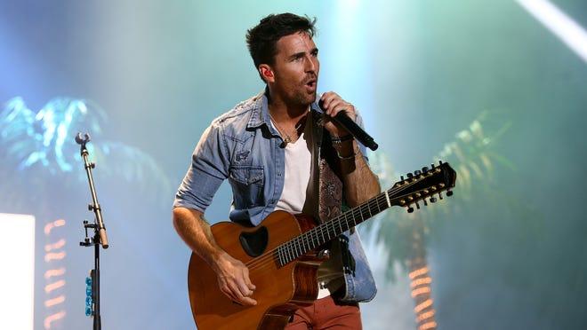 Country music star Jake Owen.