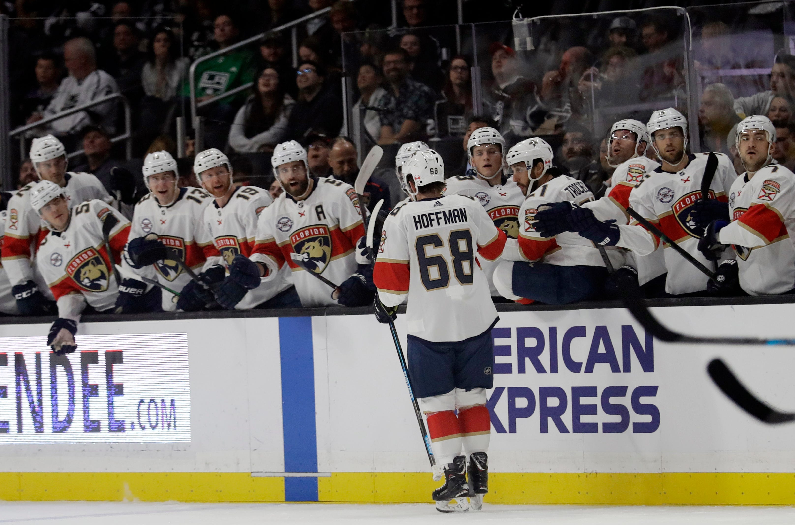 Huberdeau scores late, Panthers edge Kings 4-3