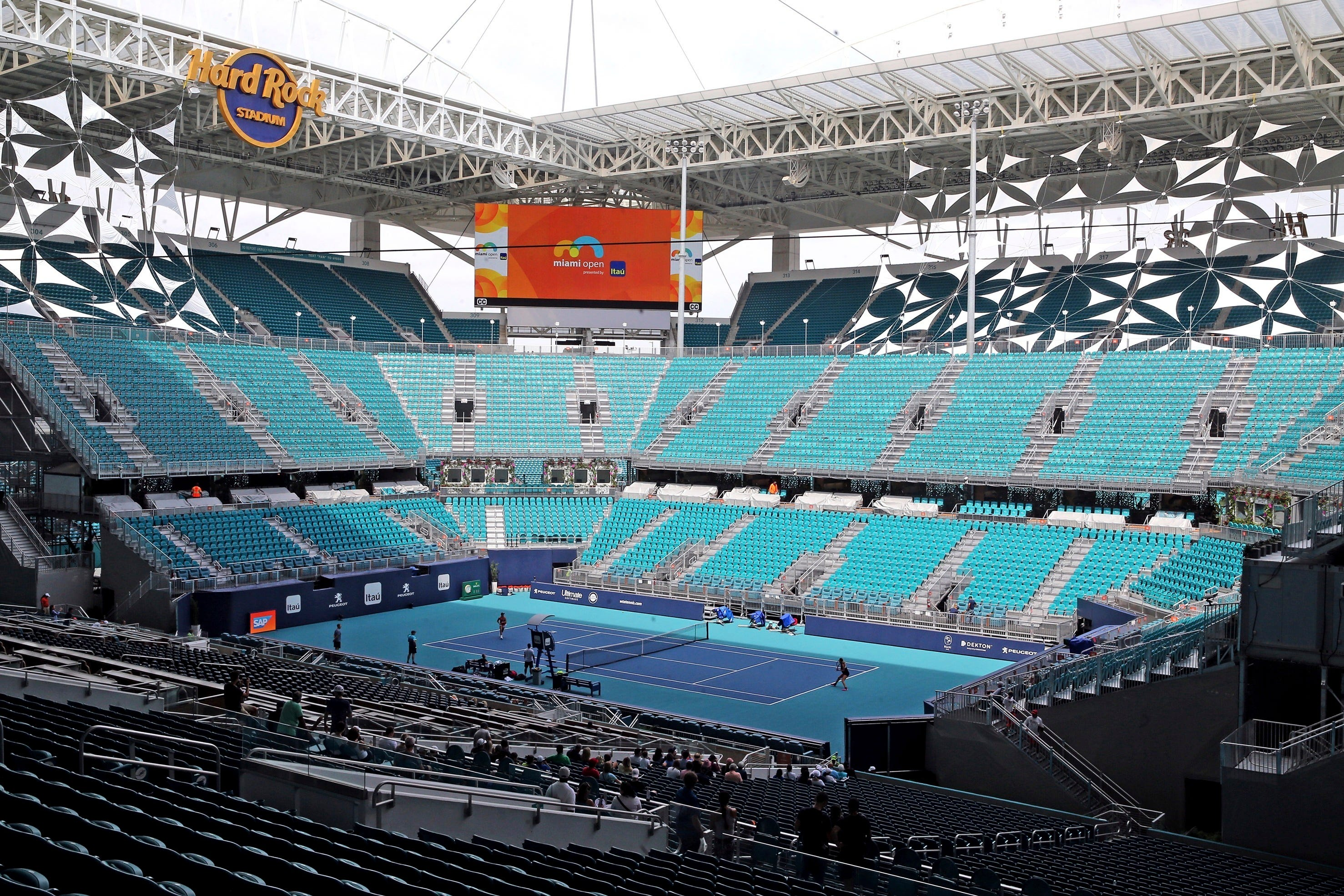 Changeover: Miami Open tennis tournament moves to Dolphins' NFL home