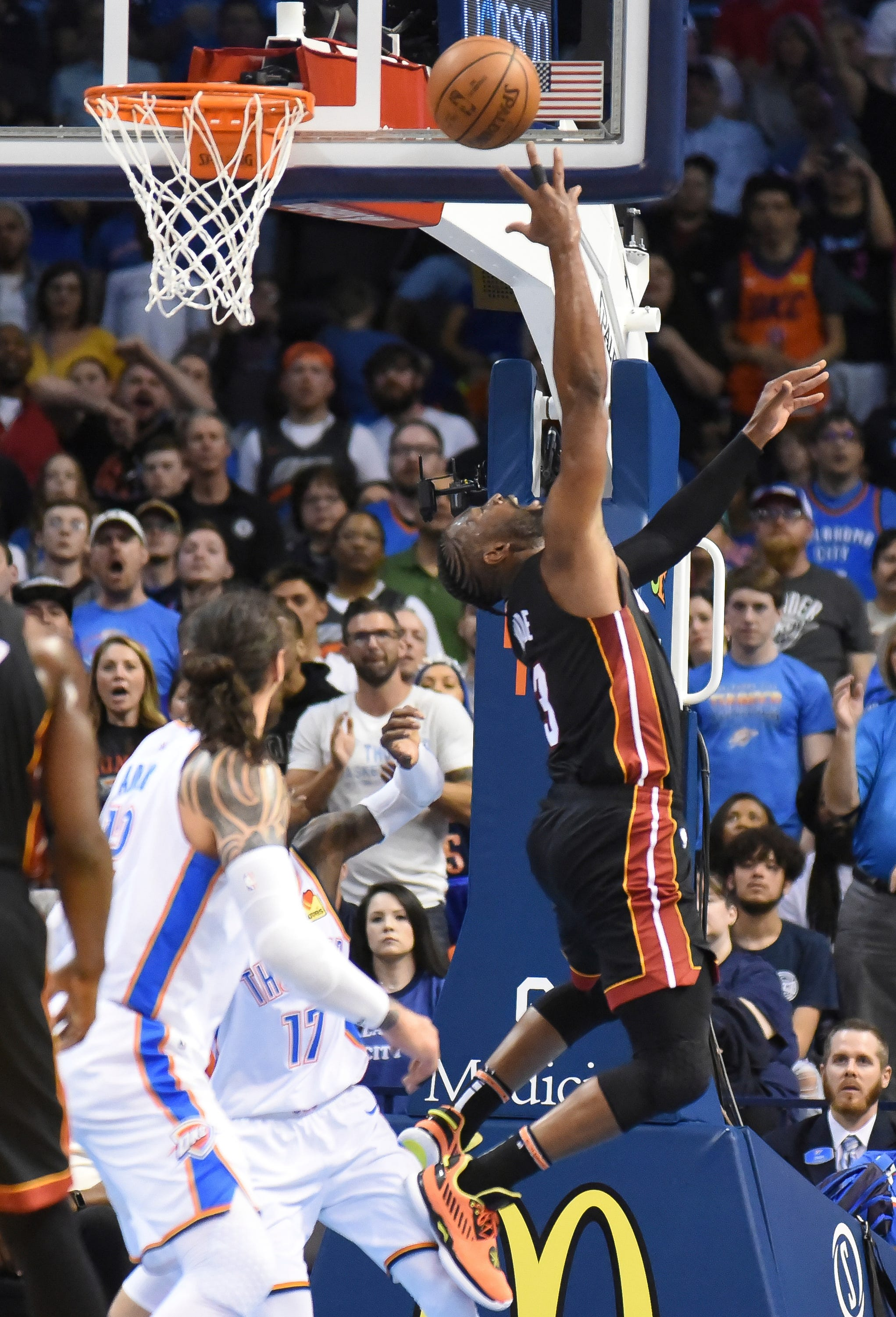 Dragic, Wade lead Heat past Westbrook-less Thunder, 116-107