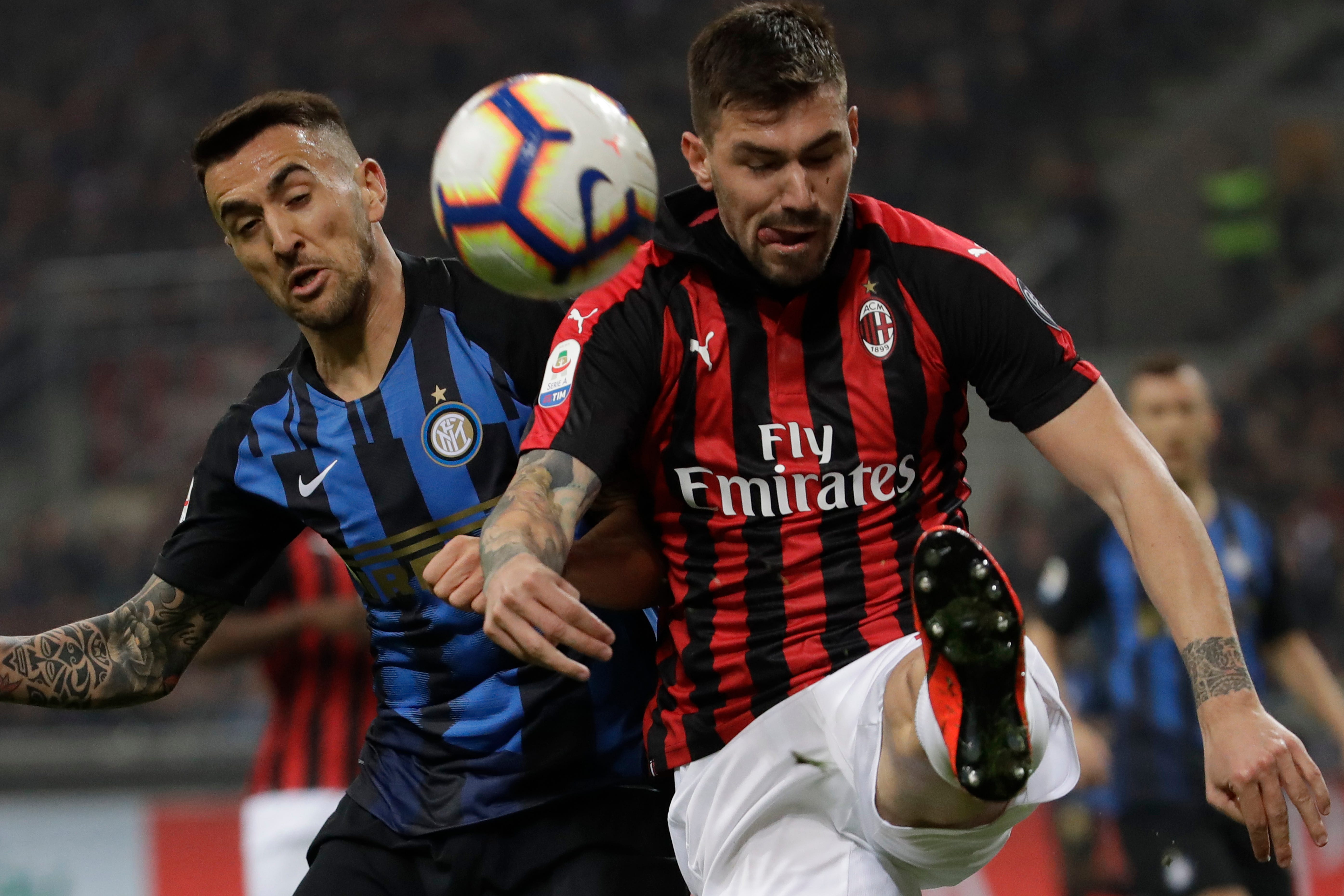 Milan players fight among themselves during loss to Inter