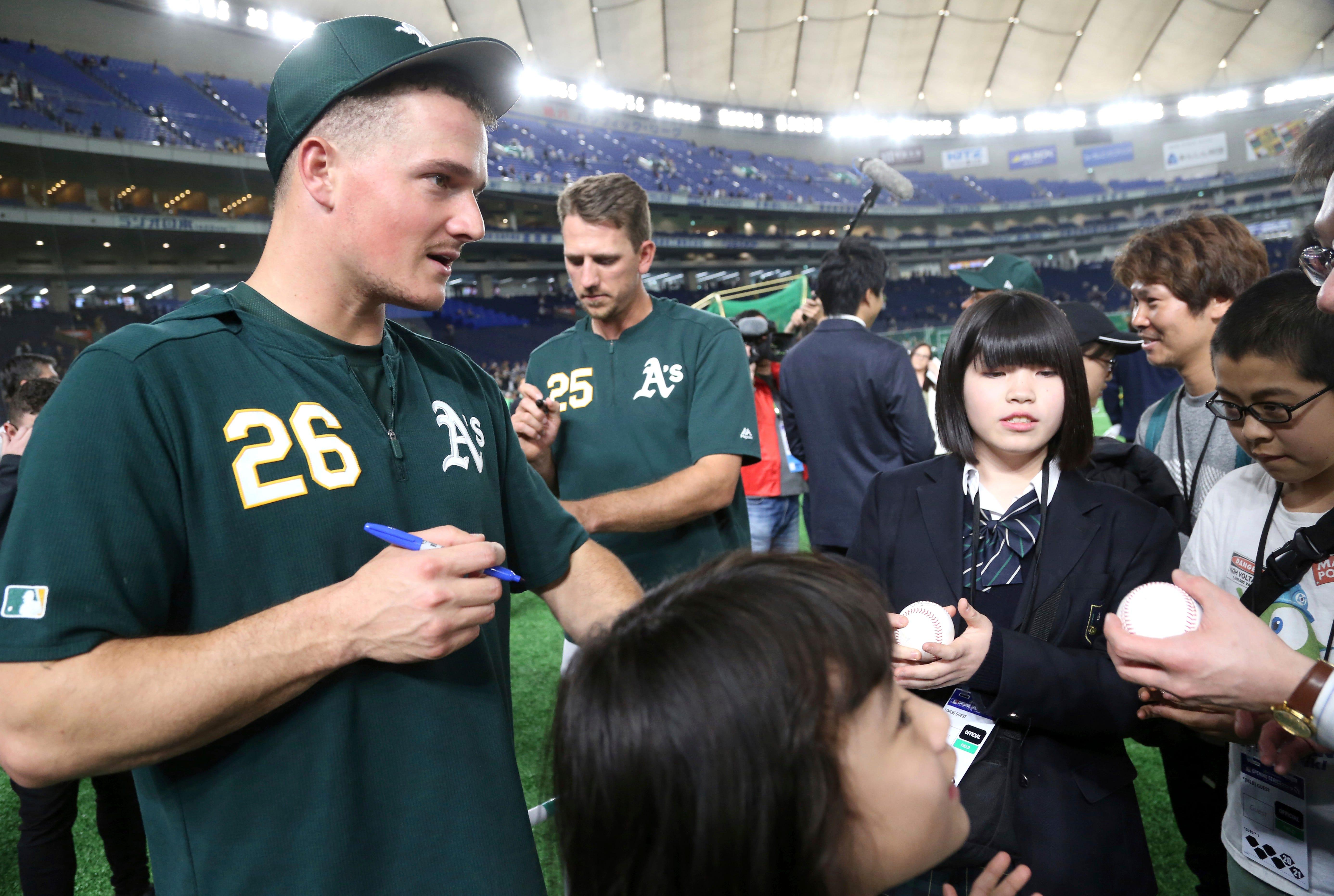 Bruce gets 1st hit of 2019 MLB season, Piscotty 1st home run