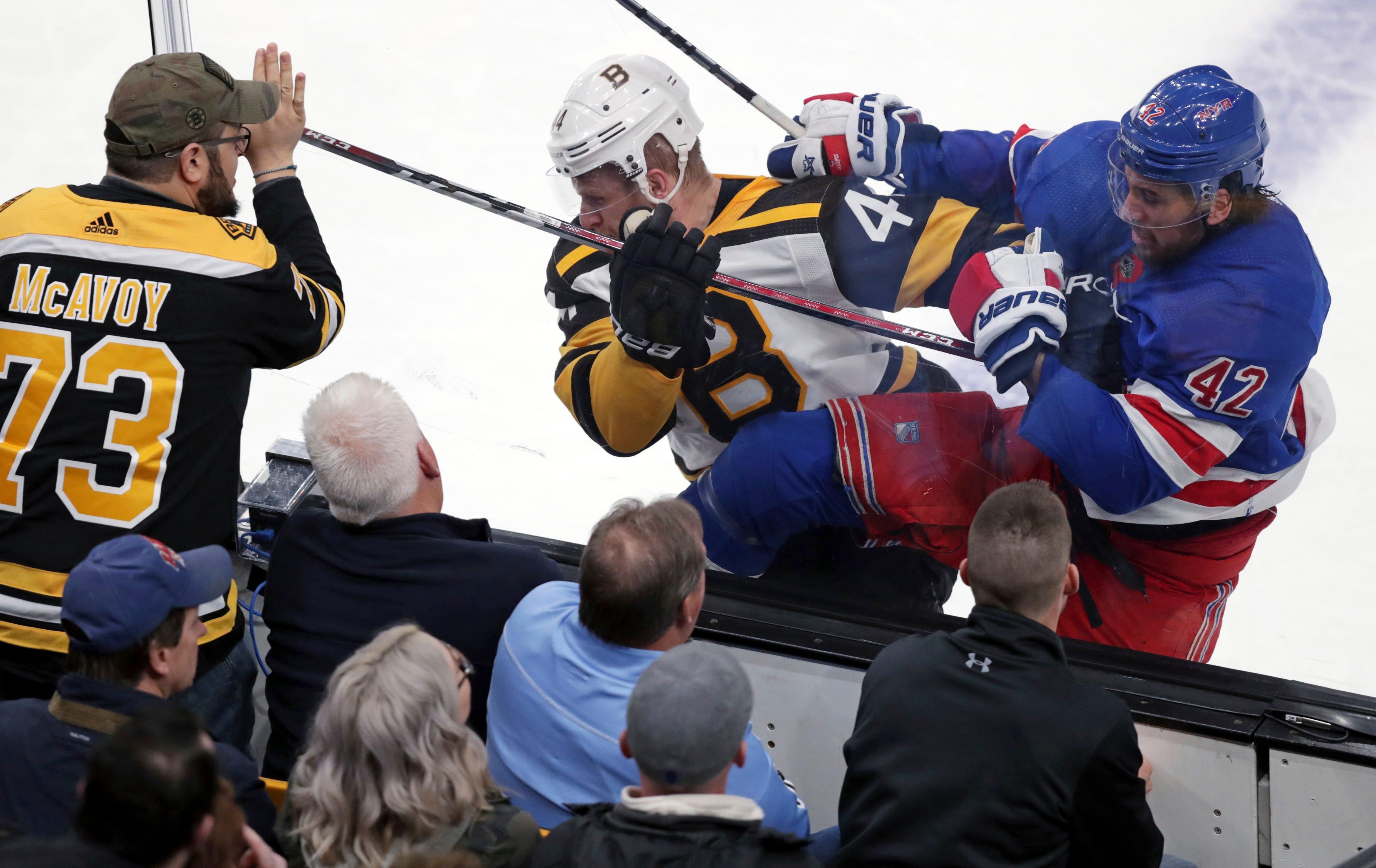 Pastrnak's hat trick carries Bruins past Rangers 6-3