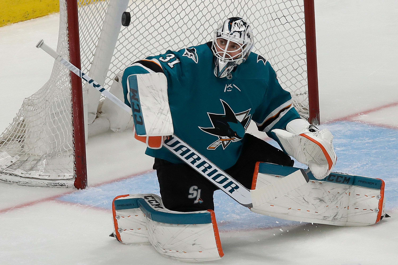 Sharks' belief in goalie remains high despite down season