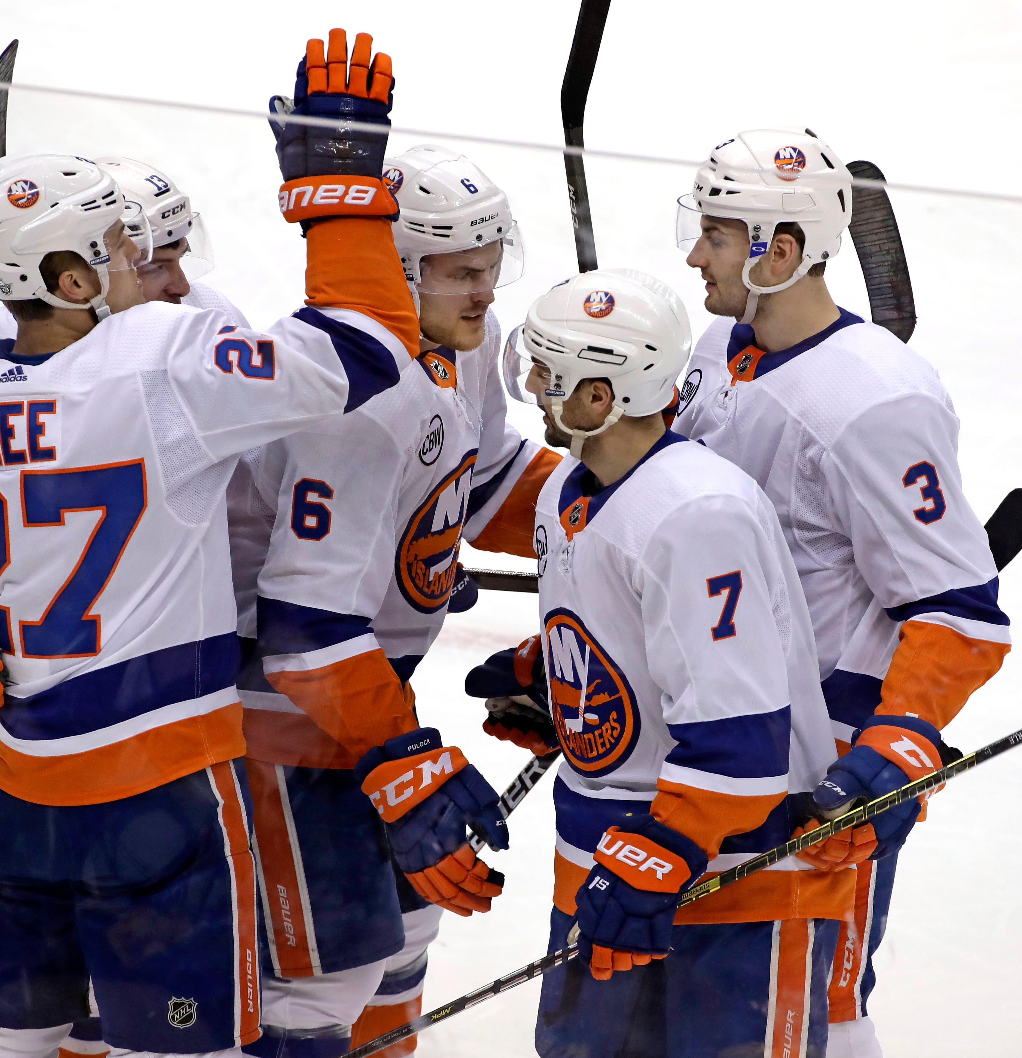 Islanders top Penguins 4-1 to take 3-0 series lead