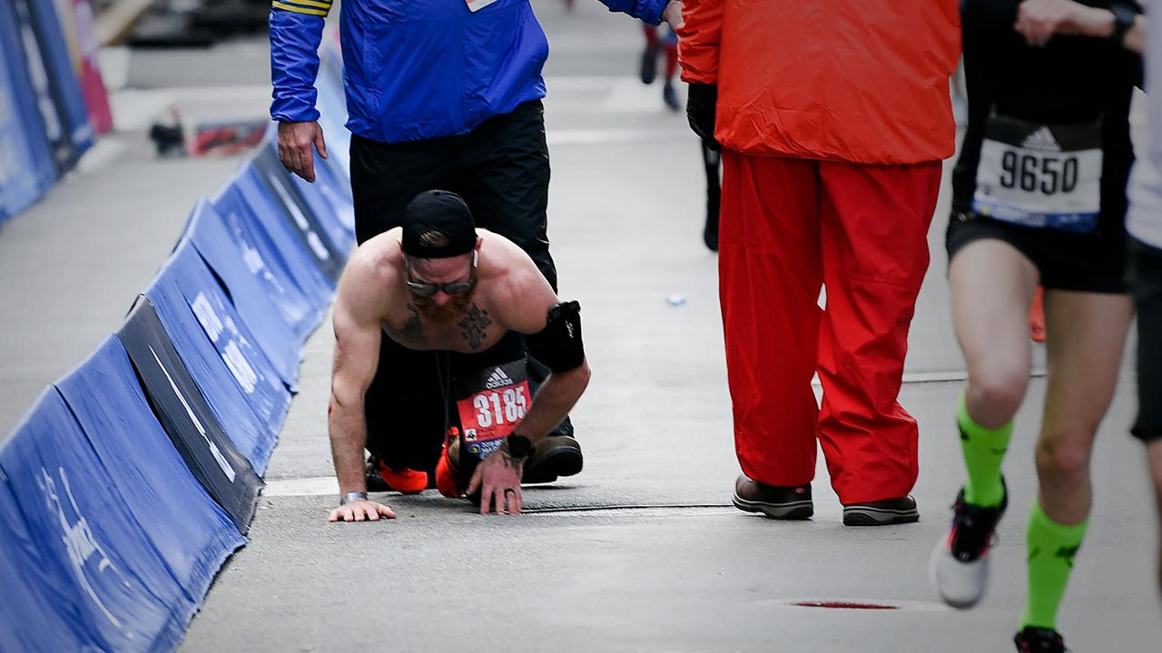 Marine S Heroic Finish At Boston Marathon
