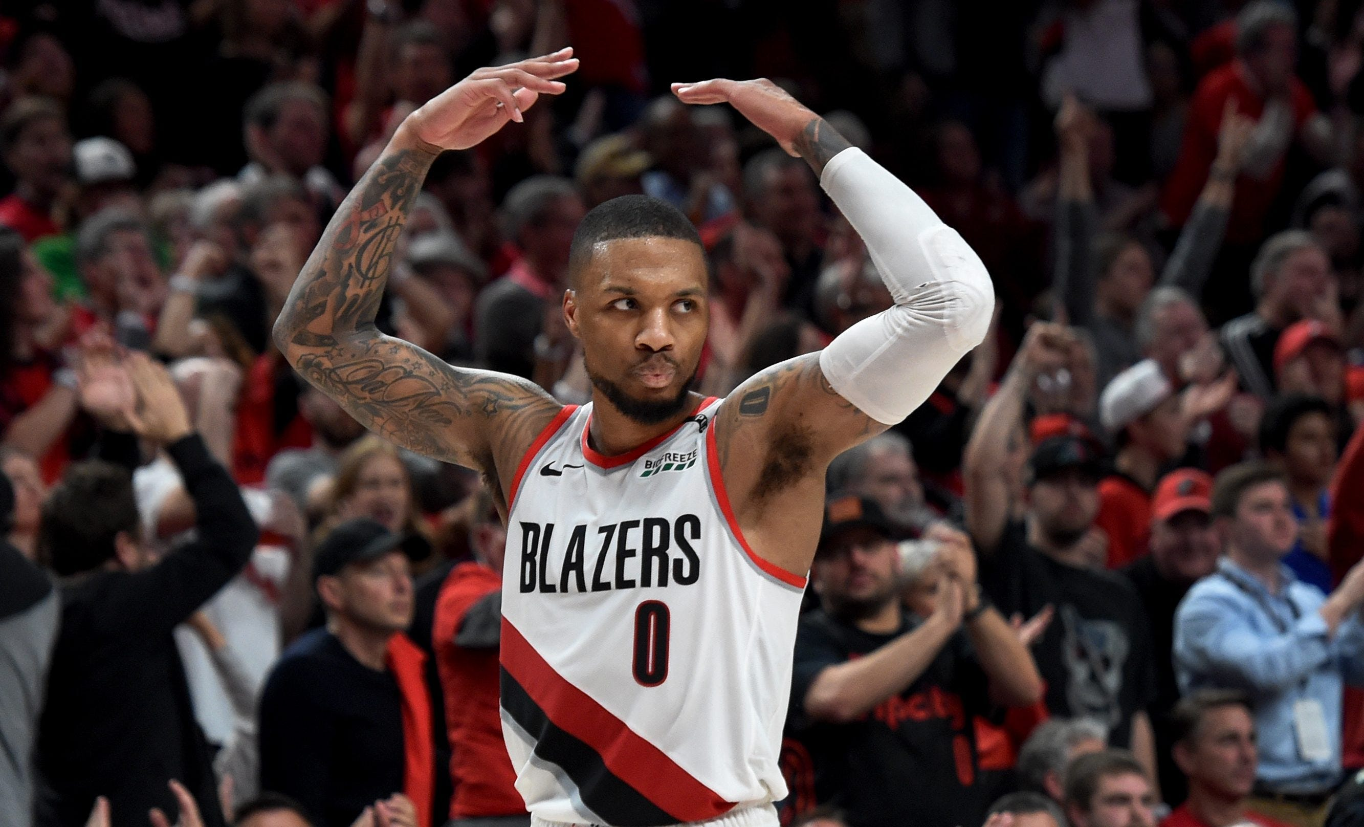 Damian Lillard is taking apart Russell Westbrook and the Thunder