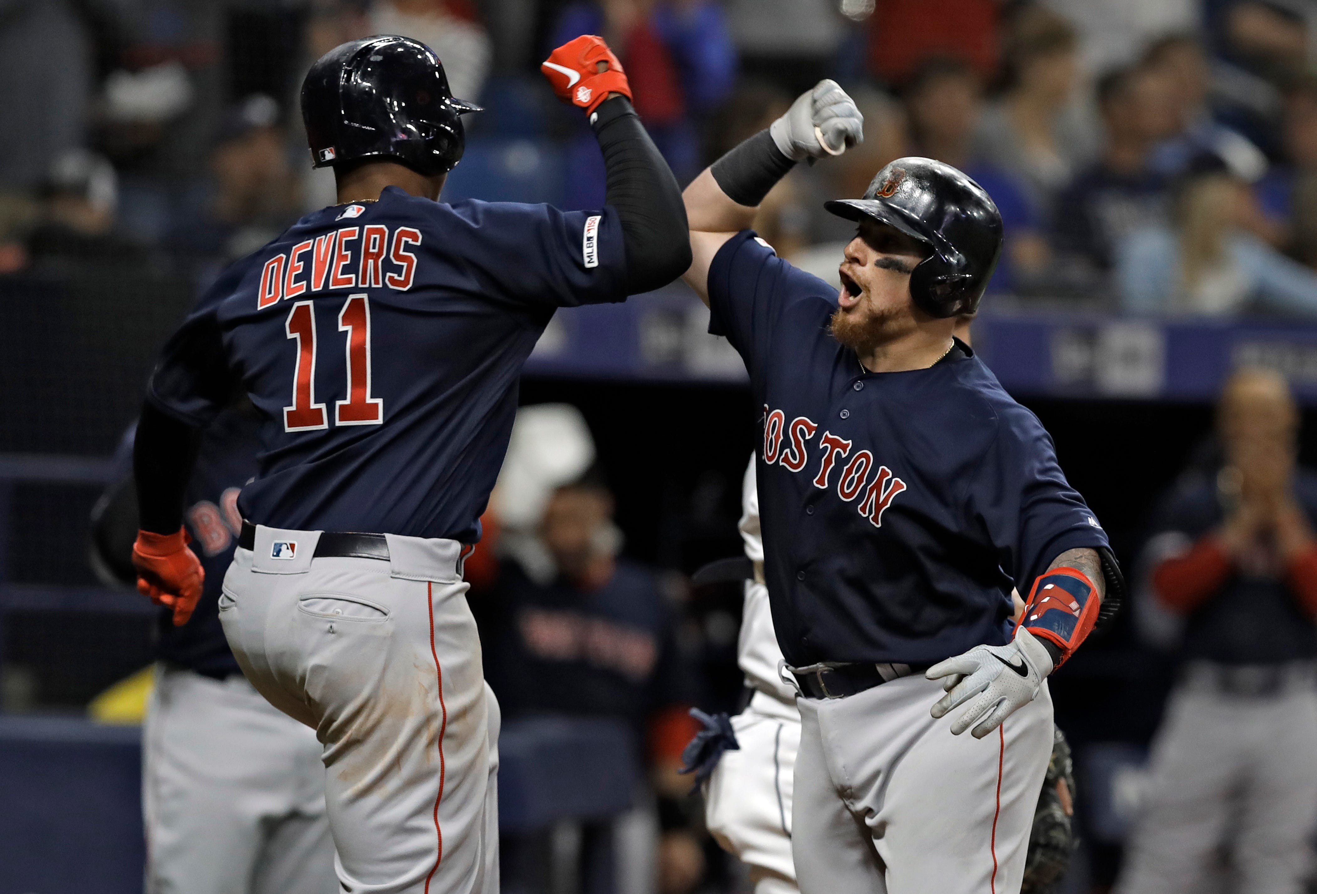 Betts, Moreland homer in 8th, Red Sox beat Rays 6-4