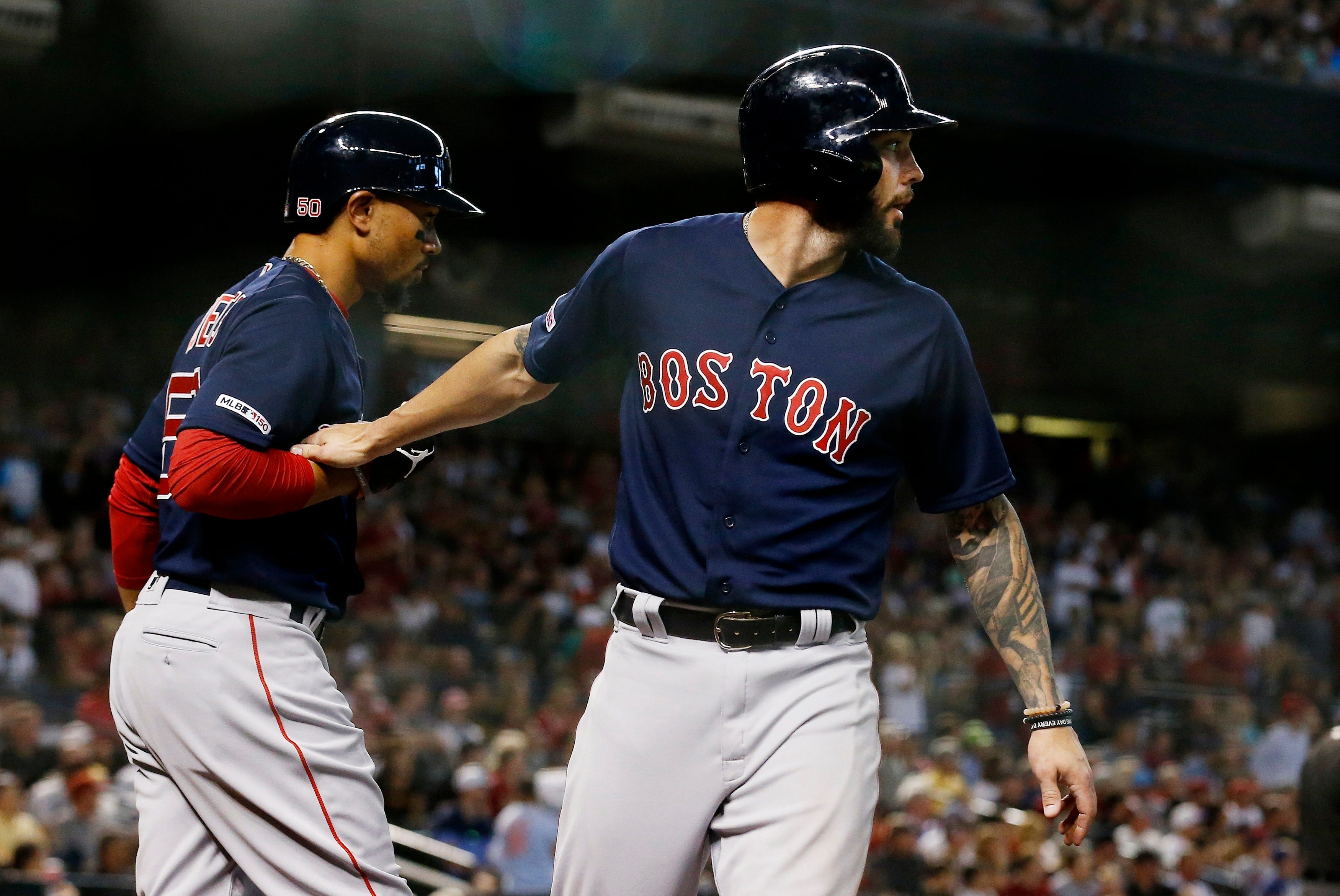 Red Sox trade Swihart to Arizona for minor leaguer