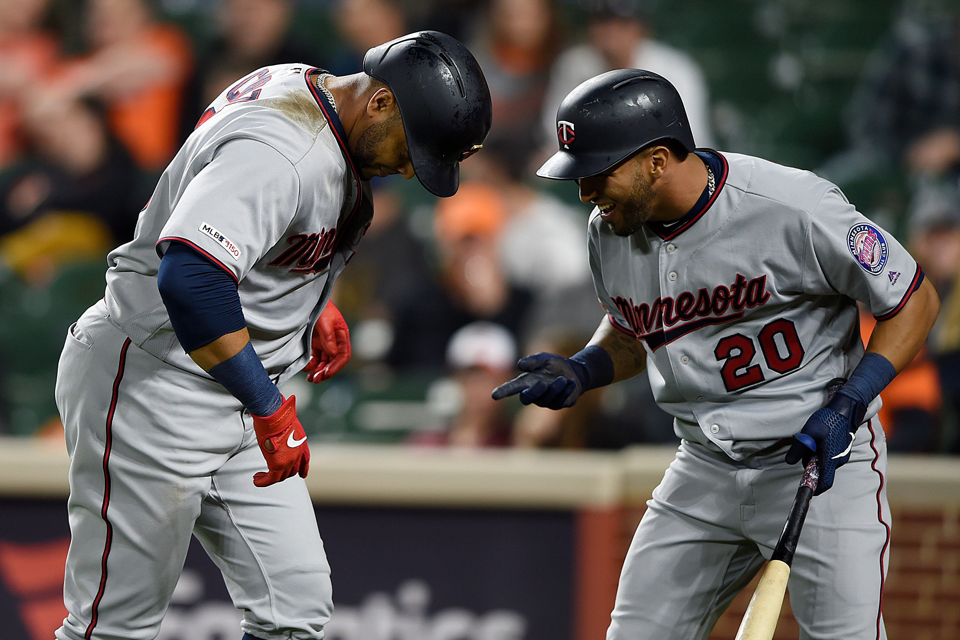 Rosario, Twins go deep to sweep Orioles, 6-5 and 16-7