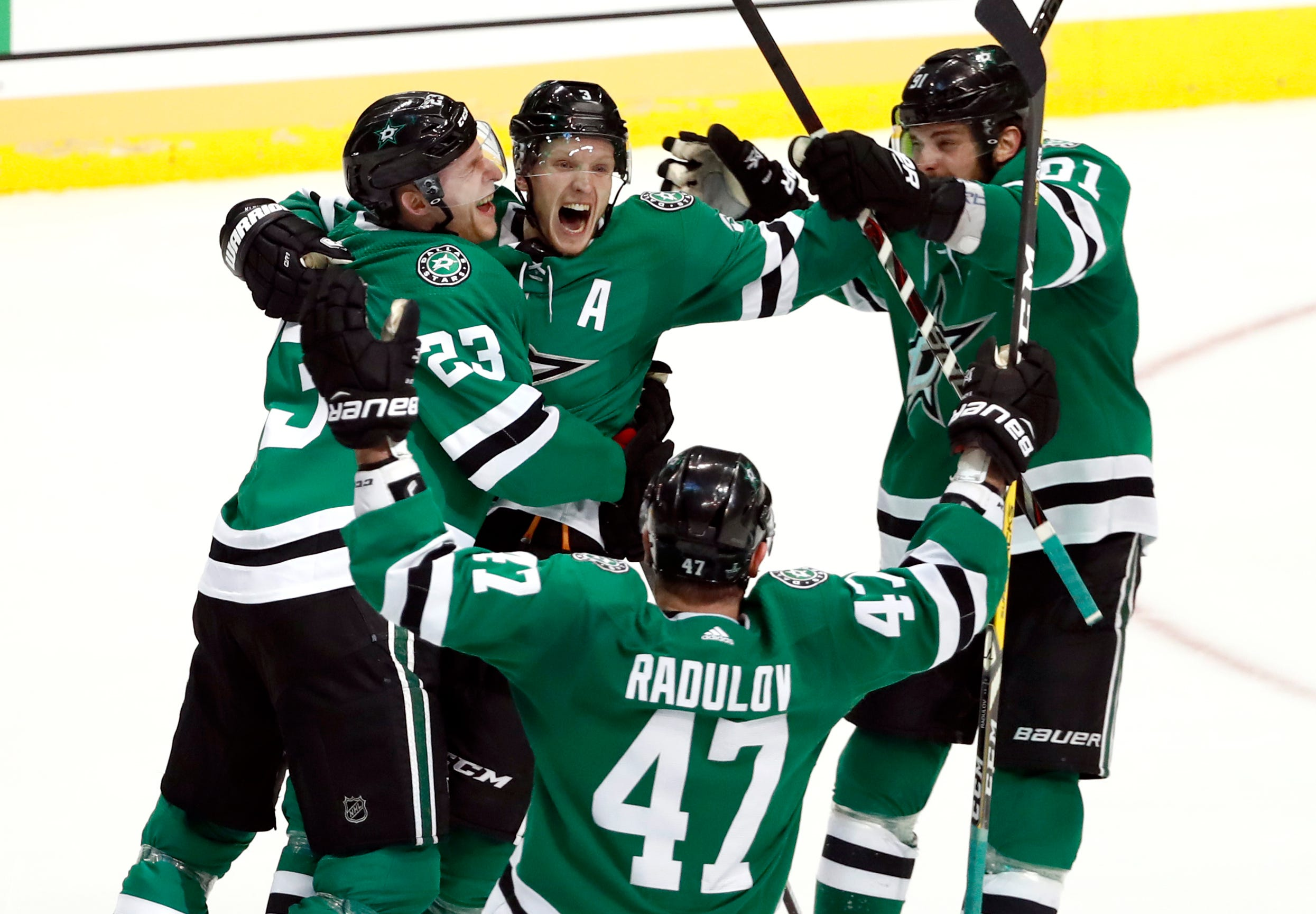 Turnabout for Stars, Blues complete with 2nd-round showdown