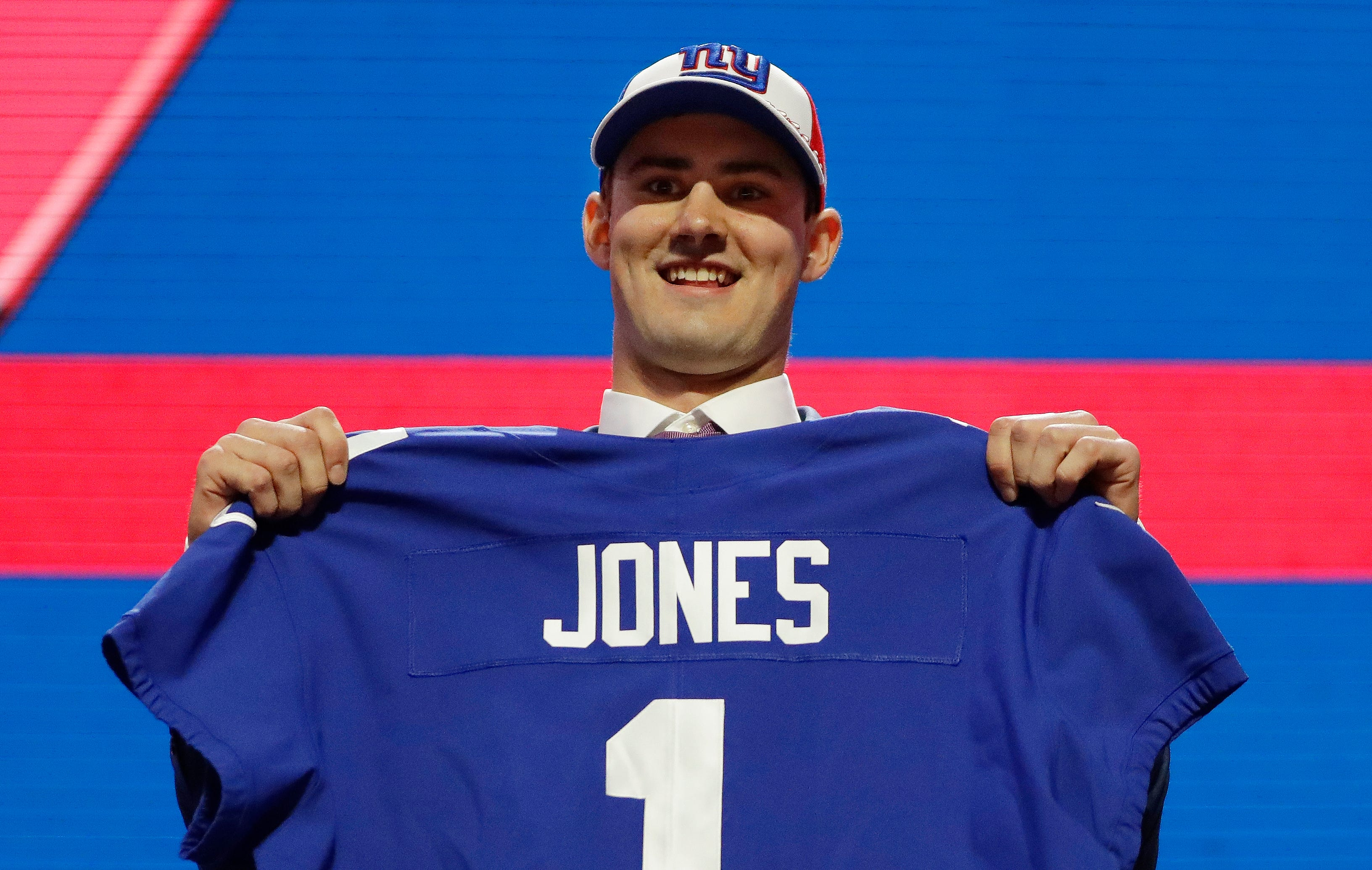 0a96da6815e Giants select Duke QB Daniel Jones with No. 6 pick in NFL draft as Eli  Manning s successor