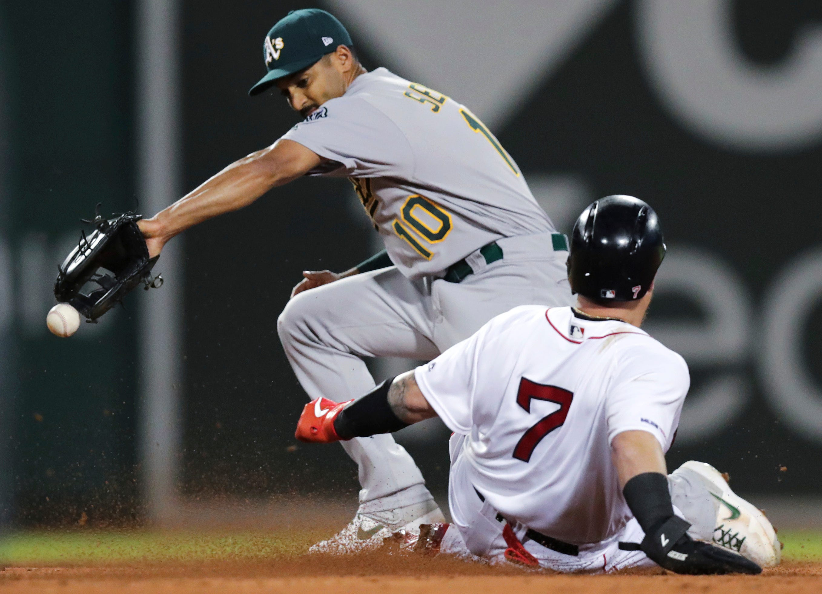 Bogaerts' double highlights 6-run rally; Red Sox beat A's