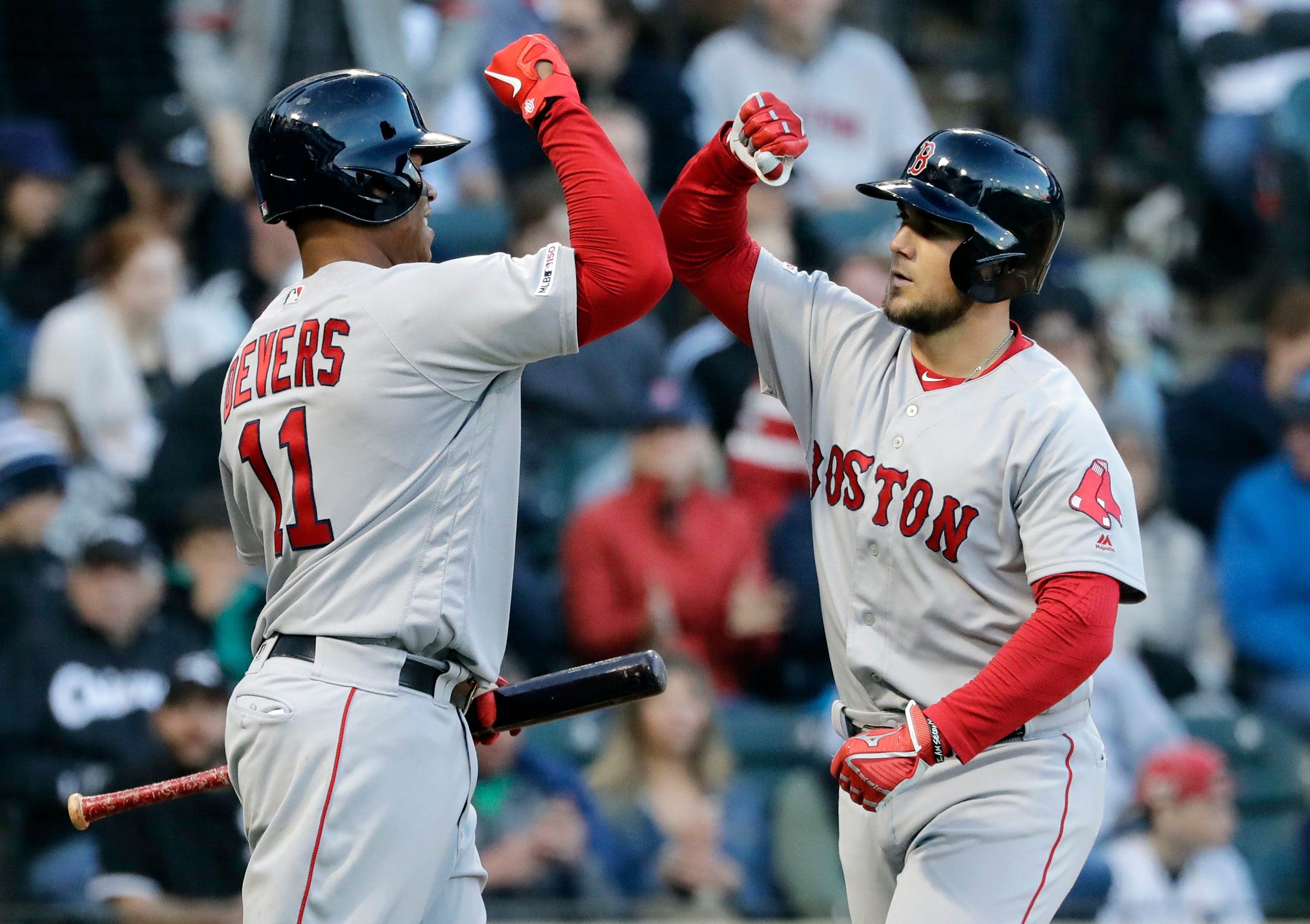 Red Sox get 10 hits in a row in 15-2 rout of White Sox
