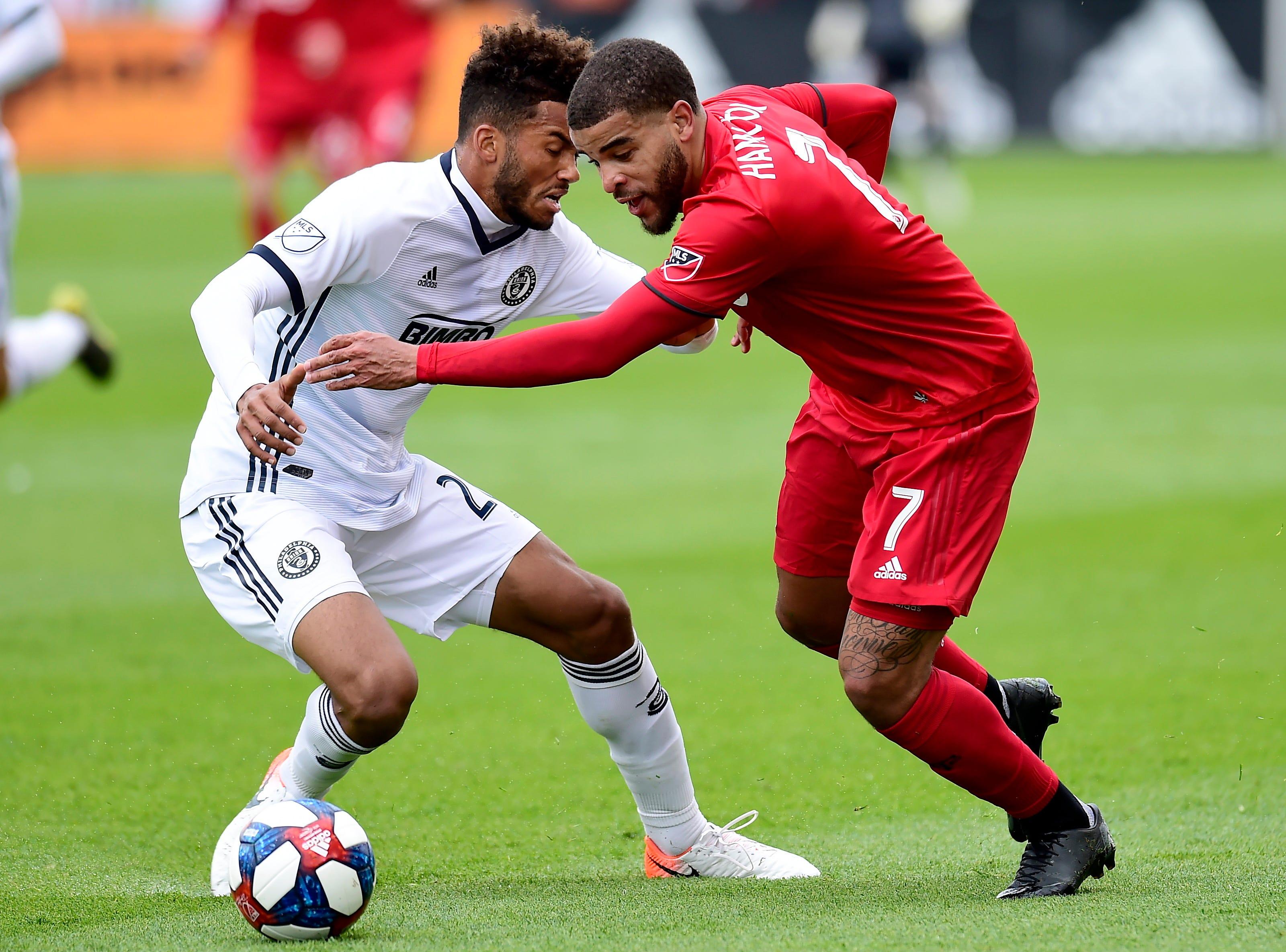 Monteiro breaks tie in 68th, Philadelphia beats Toronto 2-1
