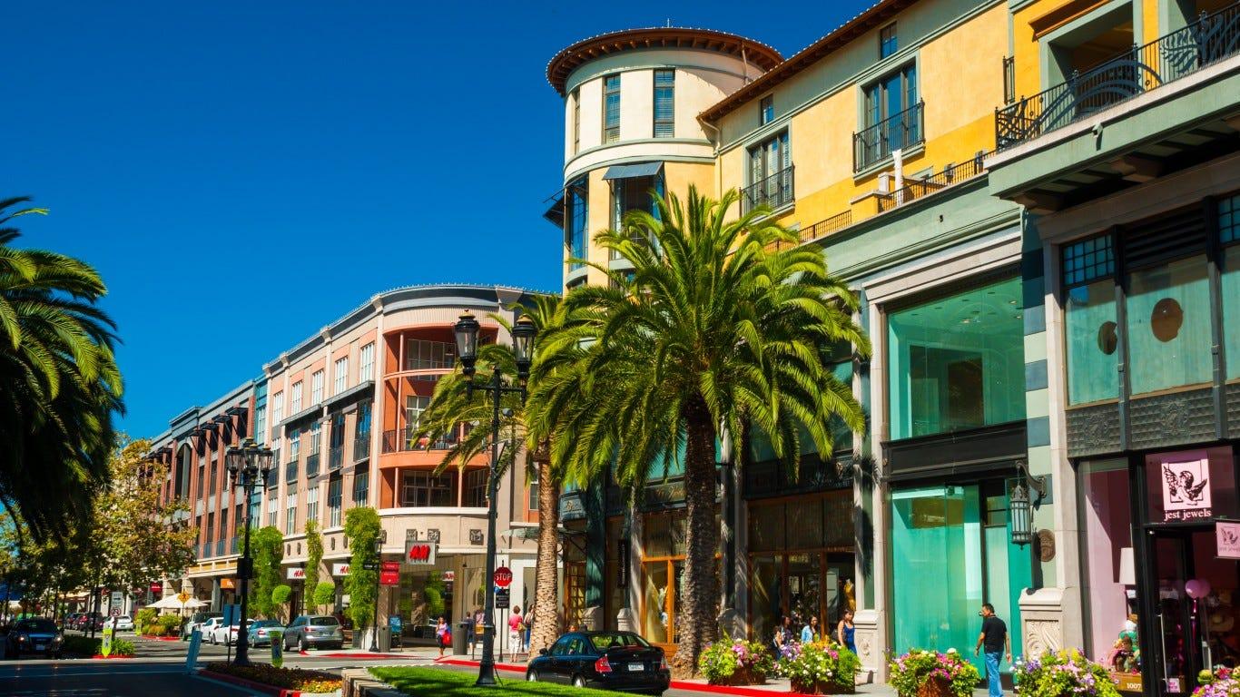 5 richest metro areas in America