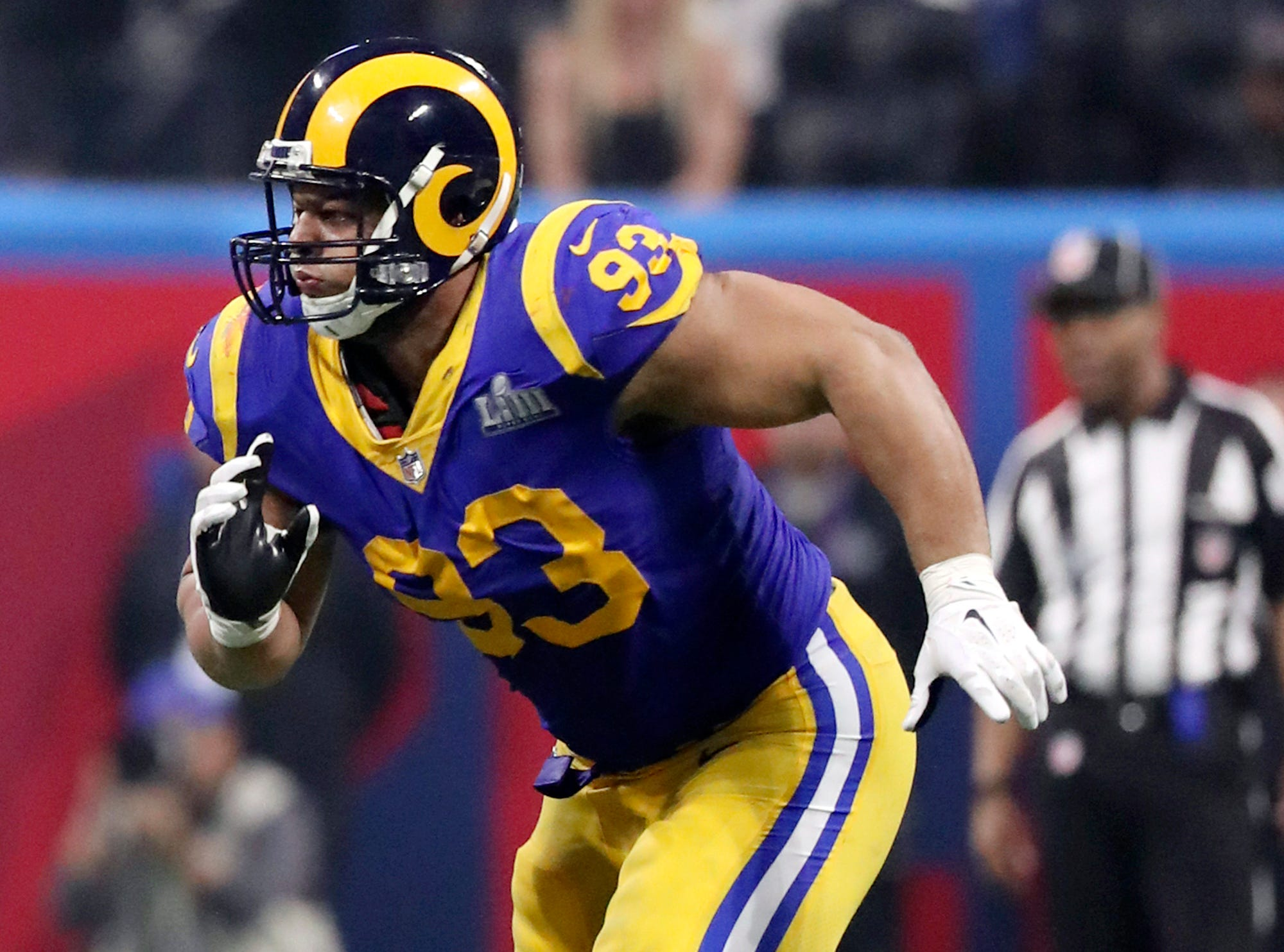 Ndamukong Suh headed to Tampa Bay to replace Gerald McCoy