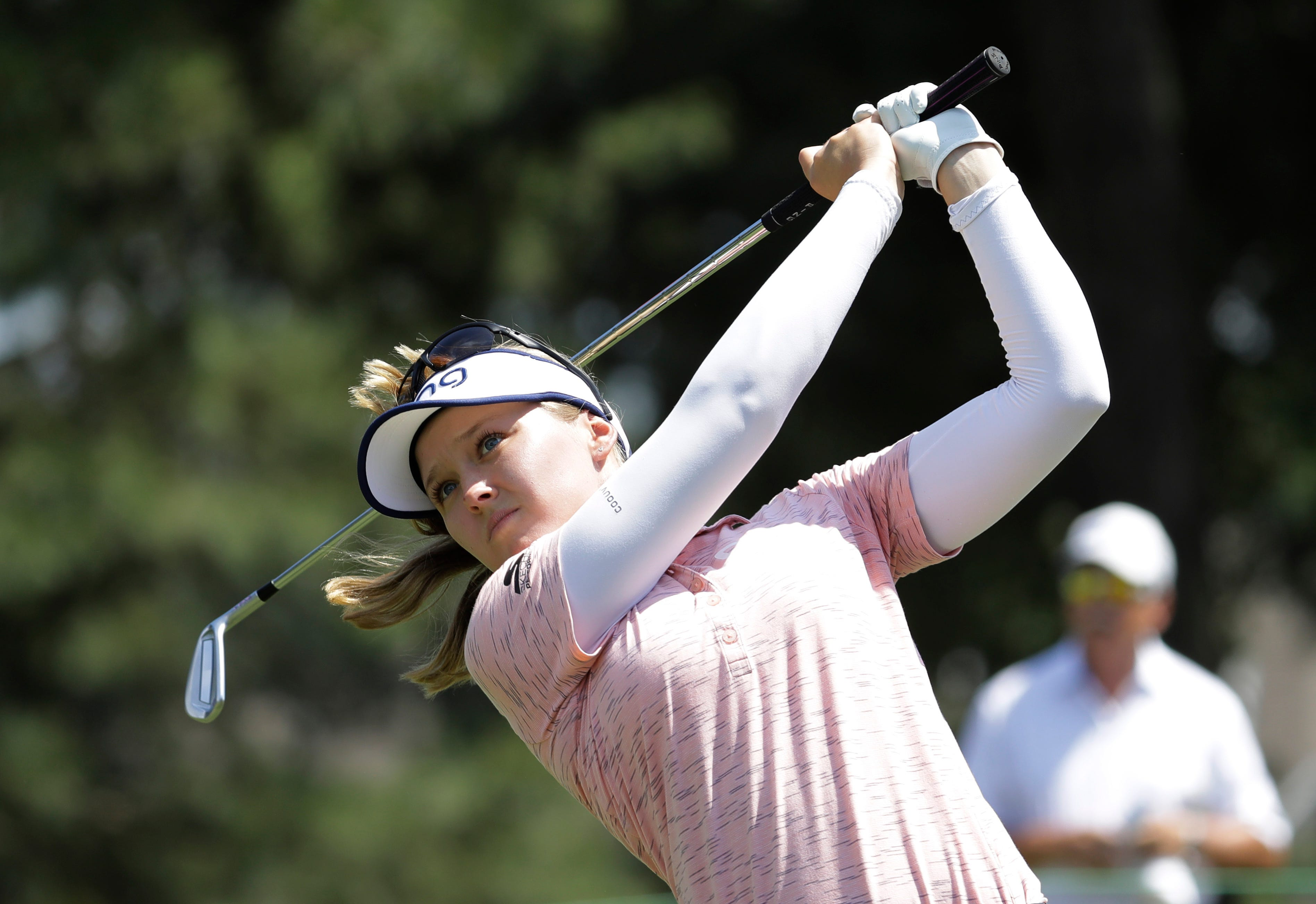 Law shoots 67, completes wire-to-wire LPGA win