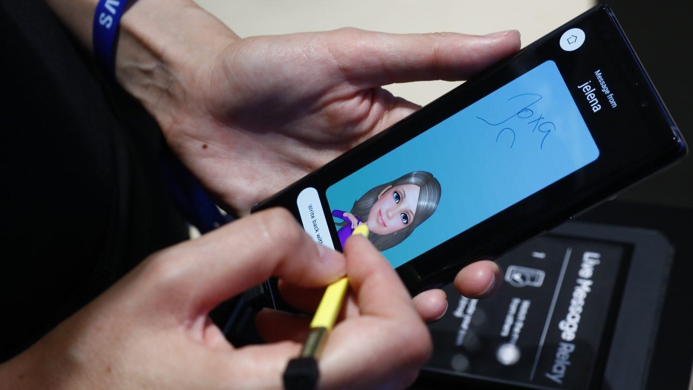 This Samsung smartphone tops Apple iPhones as America's favorite