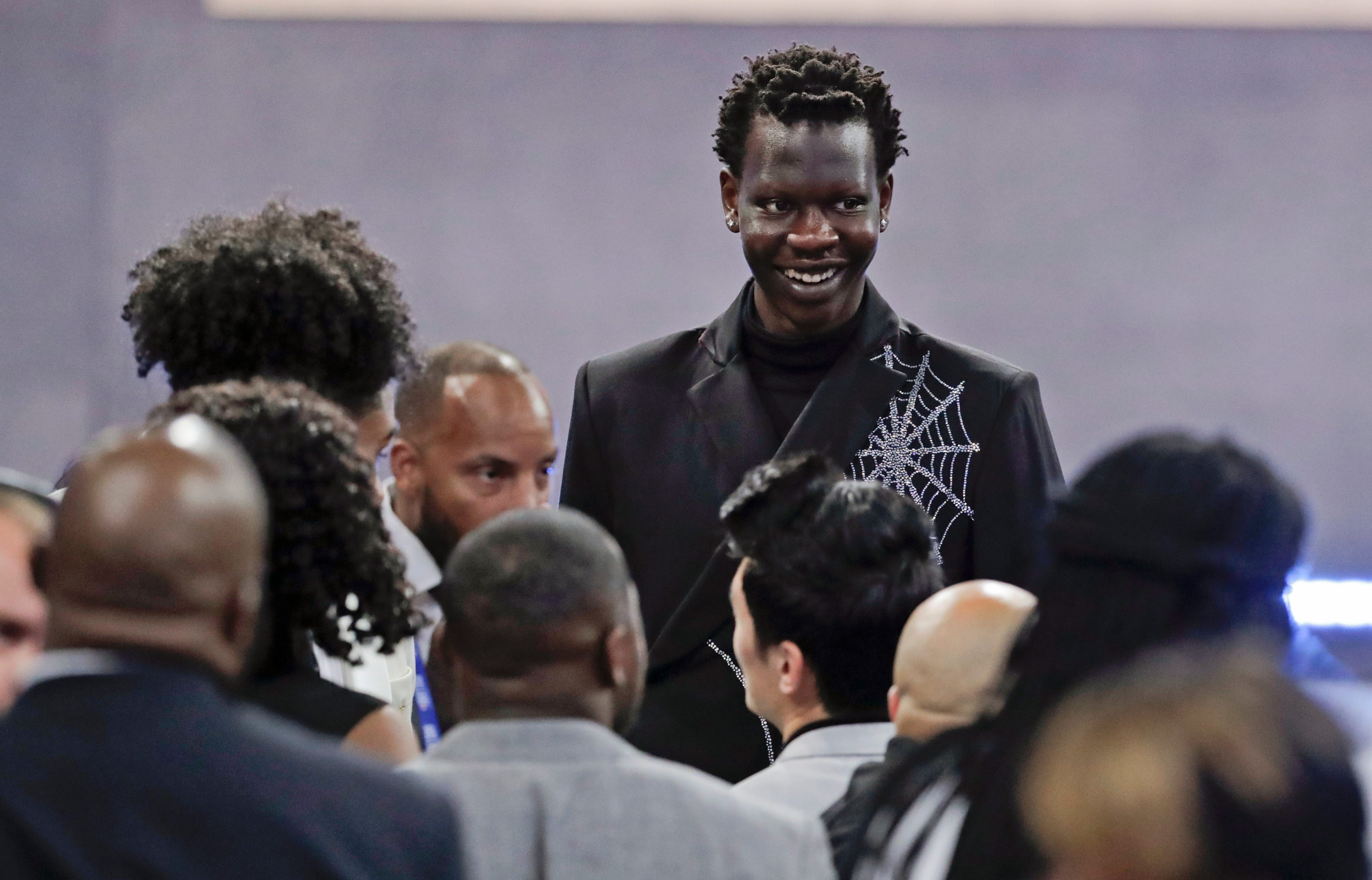 Nuggets pick up Bol Bol in 2nd round trade with Heat thumbnail