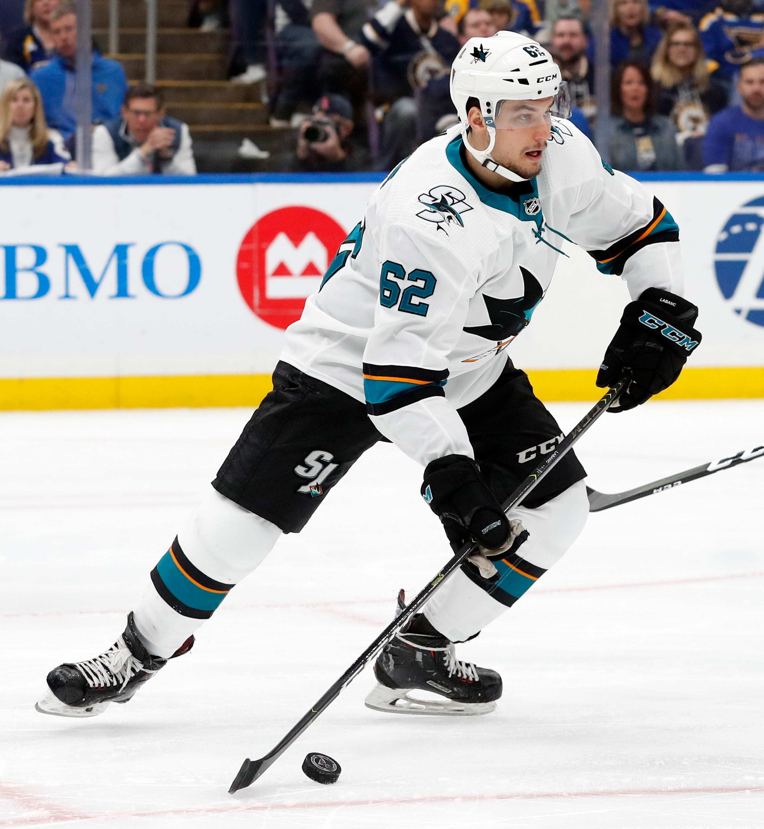 Sharks re-sign Kevin Labanc to 1-year, $1 million deal