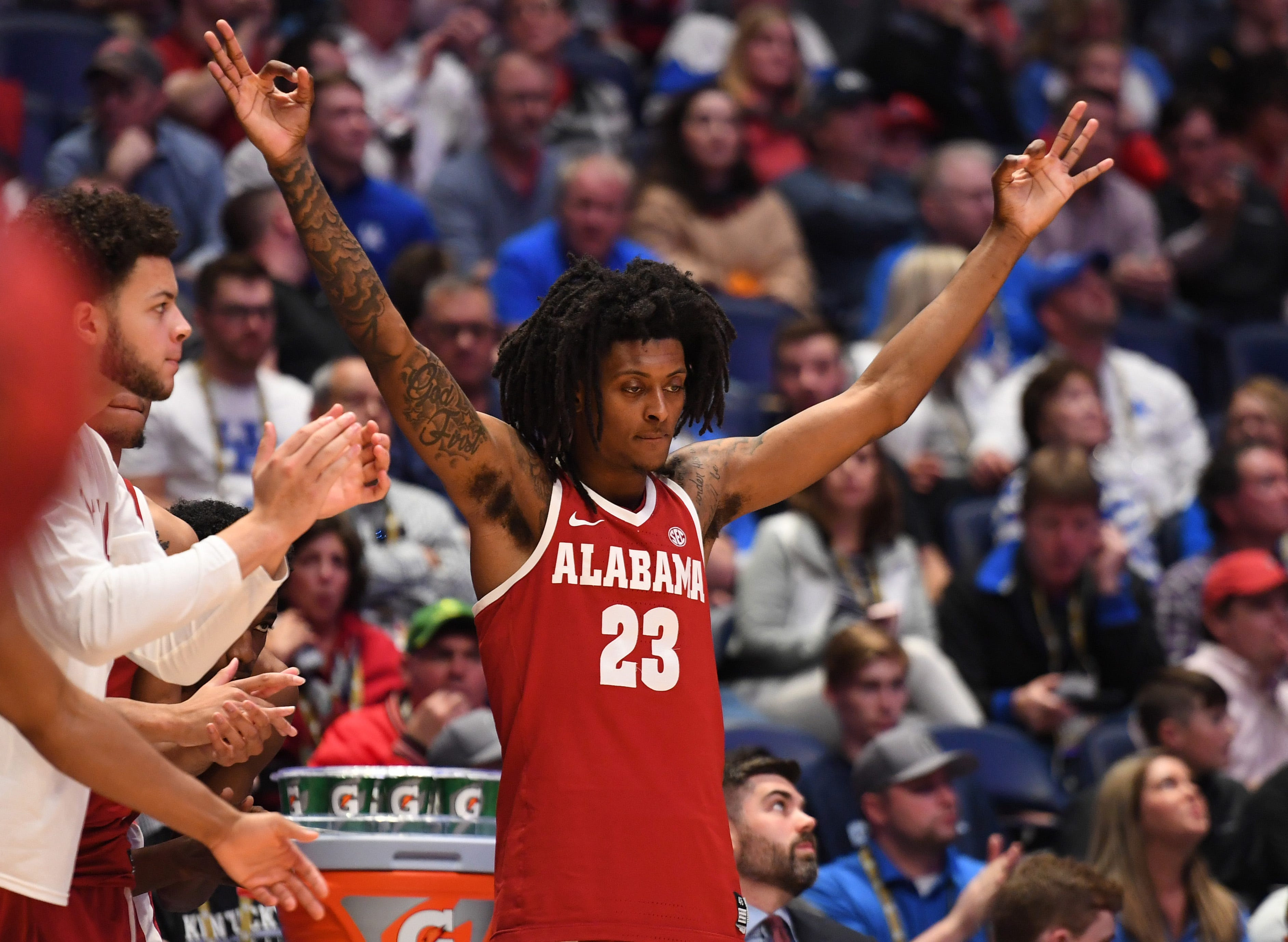 Alabama basketball's John Petty Jr. finds balance in basketball, parenthood