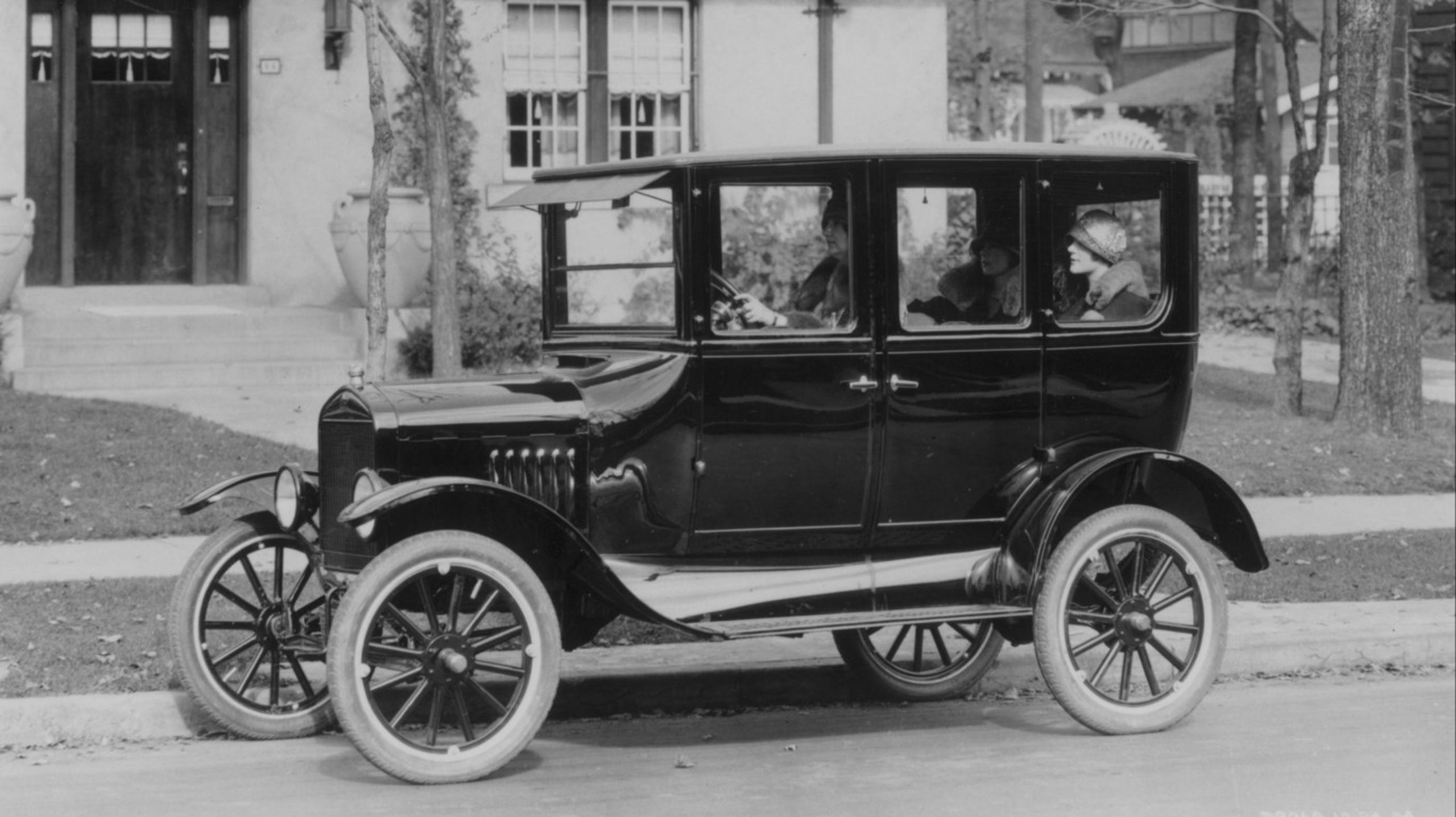 The First Car Ever Made >> From The Model T To The Corvette The Deadliest Cars In History