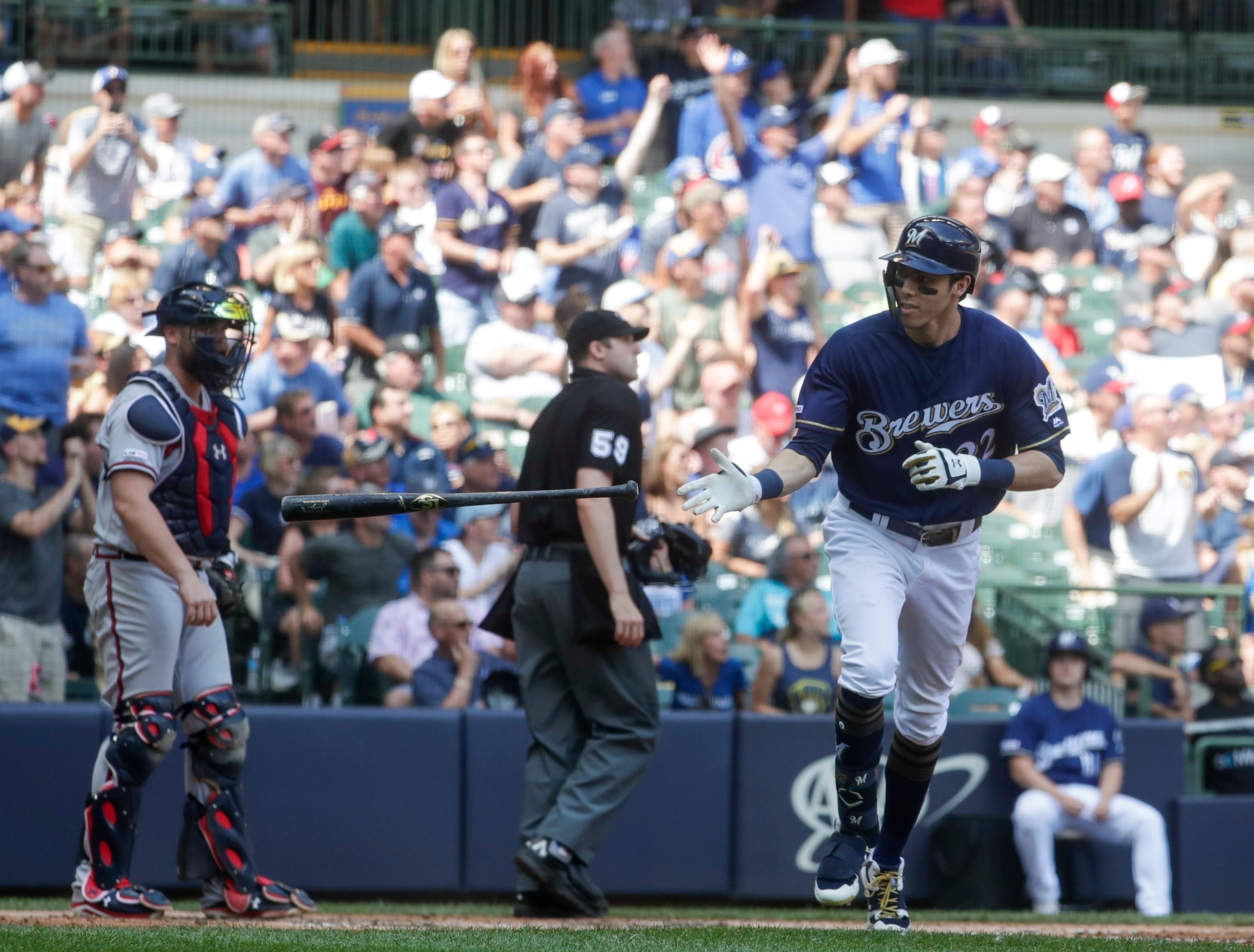 Brewers hang on for 5-4 win over Braves thumbnail