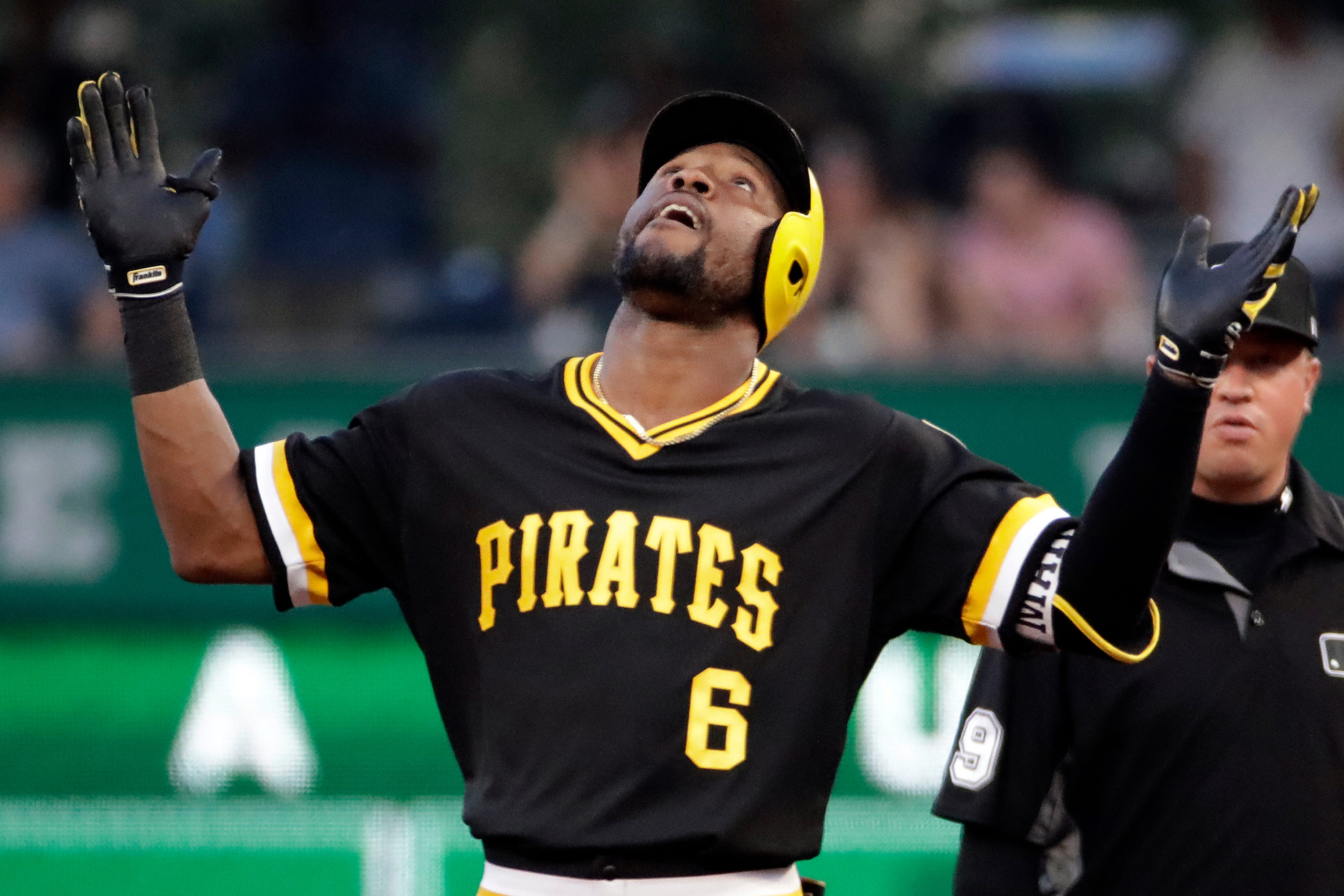 Musgrove pitches, hits, runs Pirates past Phils for 5-1 win thumbnail