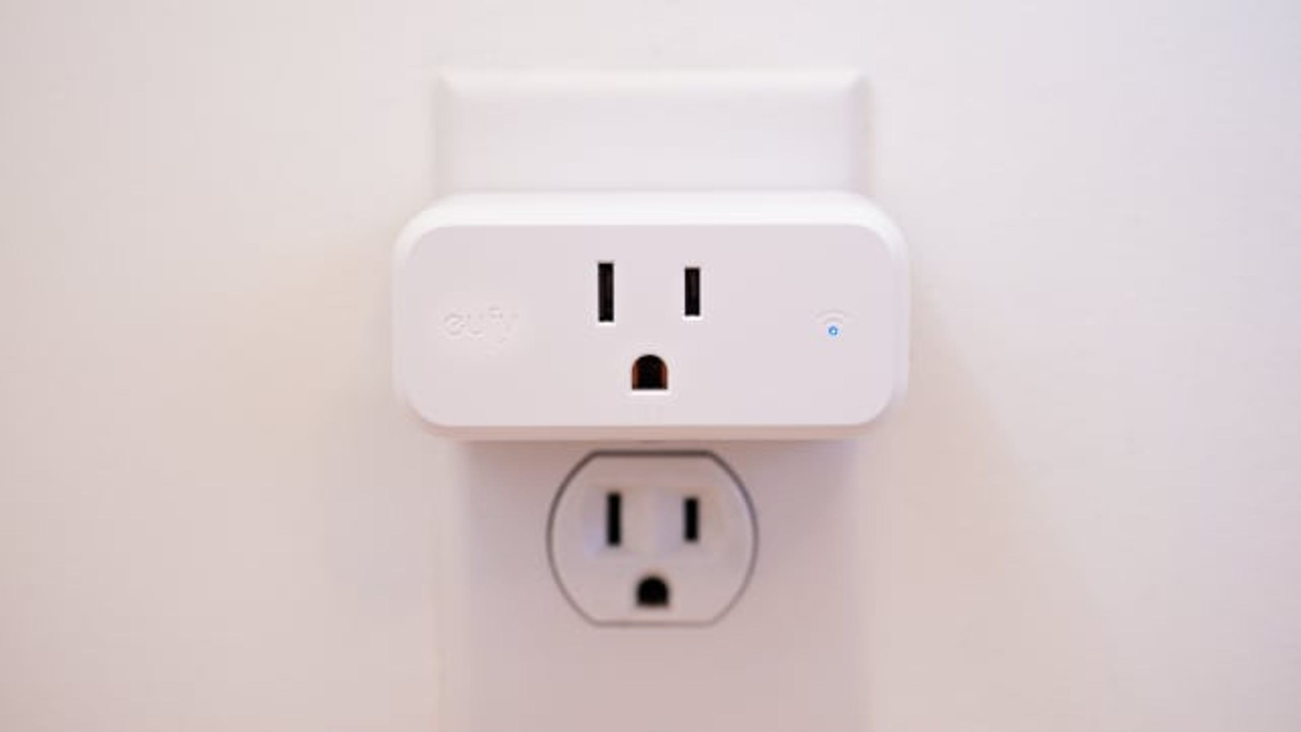 "Want the features of a smart outlet without making a huge investment? The Eufy smart Plug Mini is our favorite affordable option. (<a href=""https://www.amazon.com/eufy-Assistant-Schedules-Countdown-Monitoring/dp/B07177XC24/ref=as_li_ss_tl?psc=1&amp;SubscriptionId=AKIAJIYMMIJN7RU7KVJQ&amp;linkCode=ll1&amp;tag=usatgallery-20&amp;linkId=91975d45ac428622511c13c8efeac2ee&amp;language=en_US"">$22.99 on Amazon</a>)"
