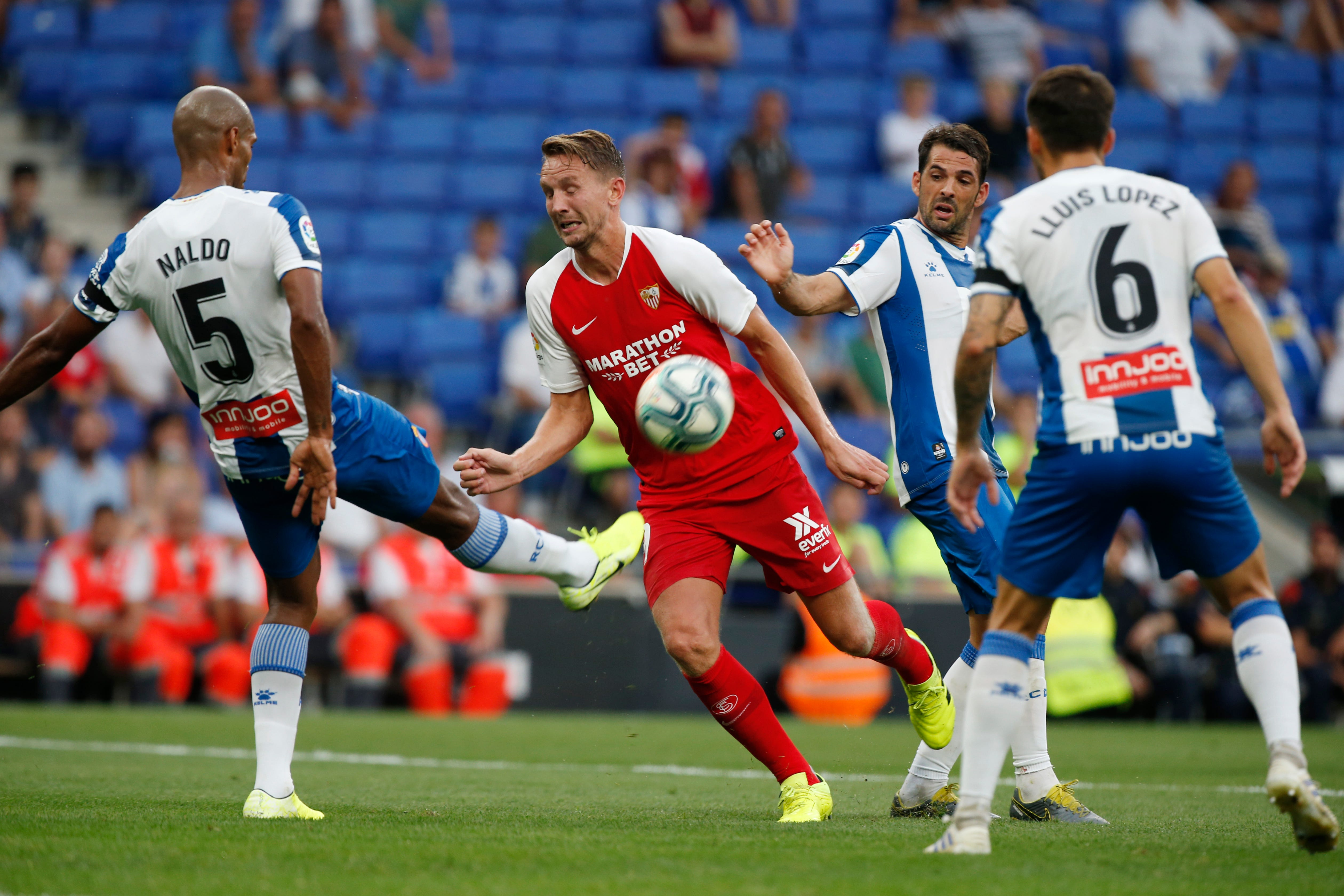 Revamped Atlético off to winning start in Spanish league