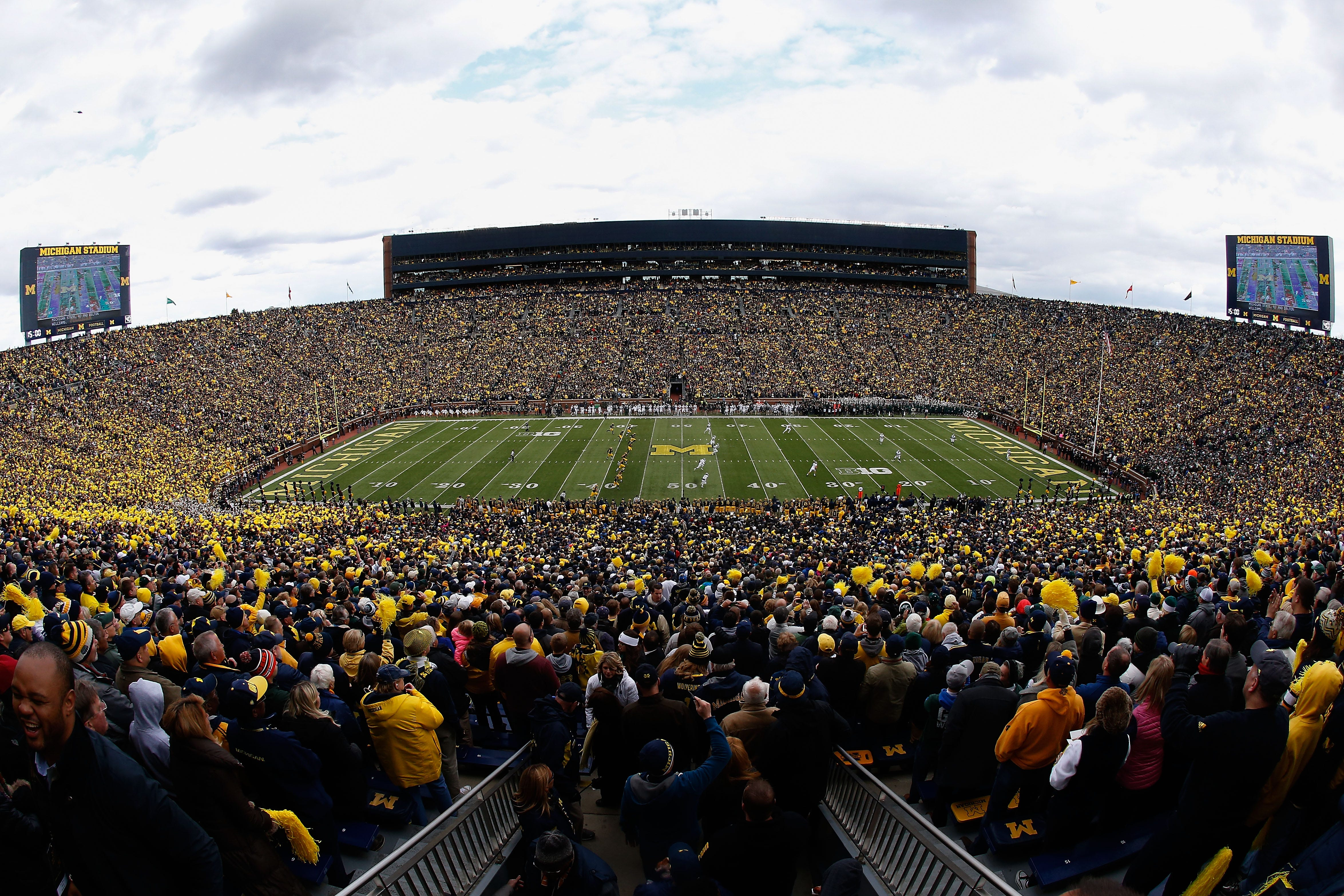 Cfb 150 The Best Stadiums In College Football