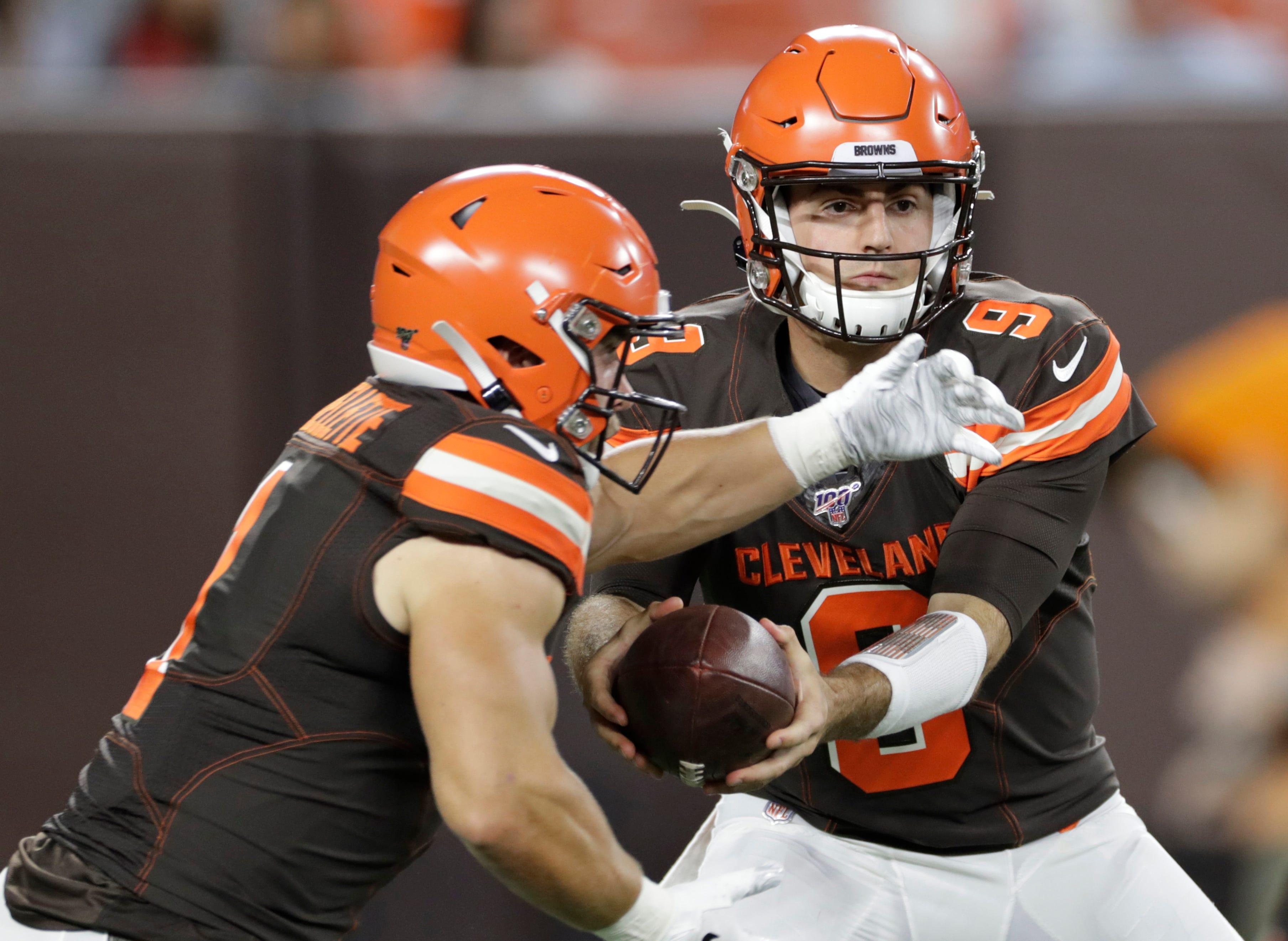 Browns deal rookie QB Blough to Lions, swap '22 draft picks thumbnail
