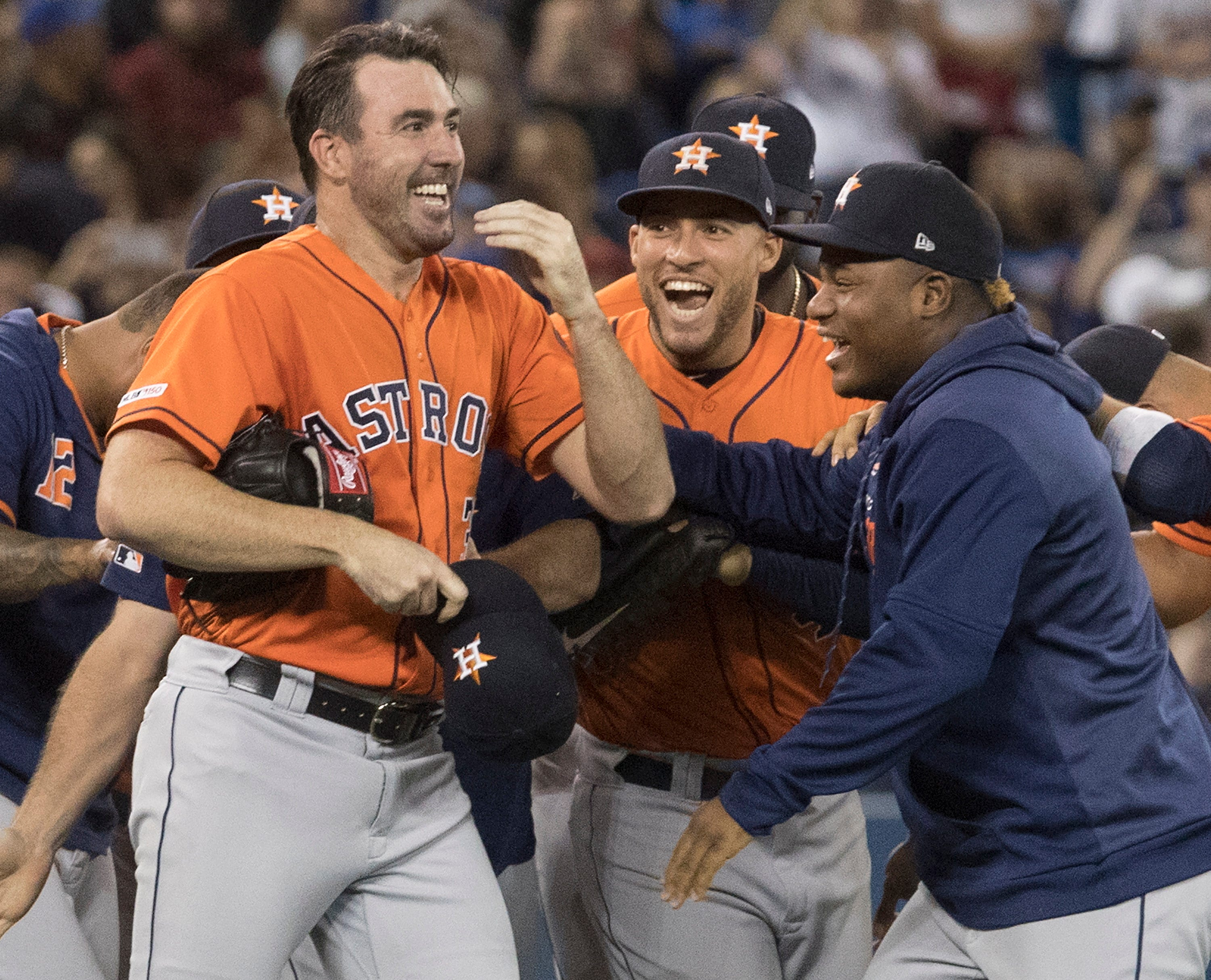 Verlander pitches 3rd career no-hitter, Astros beat Jays 2-0 thumbnail