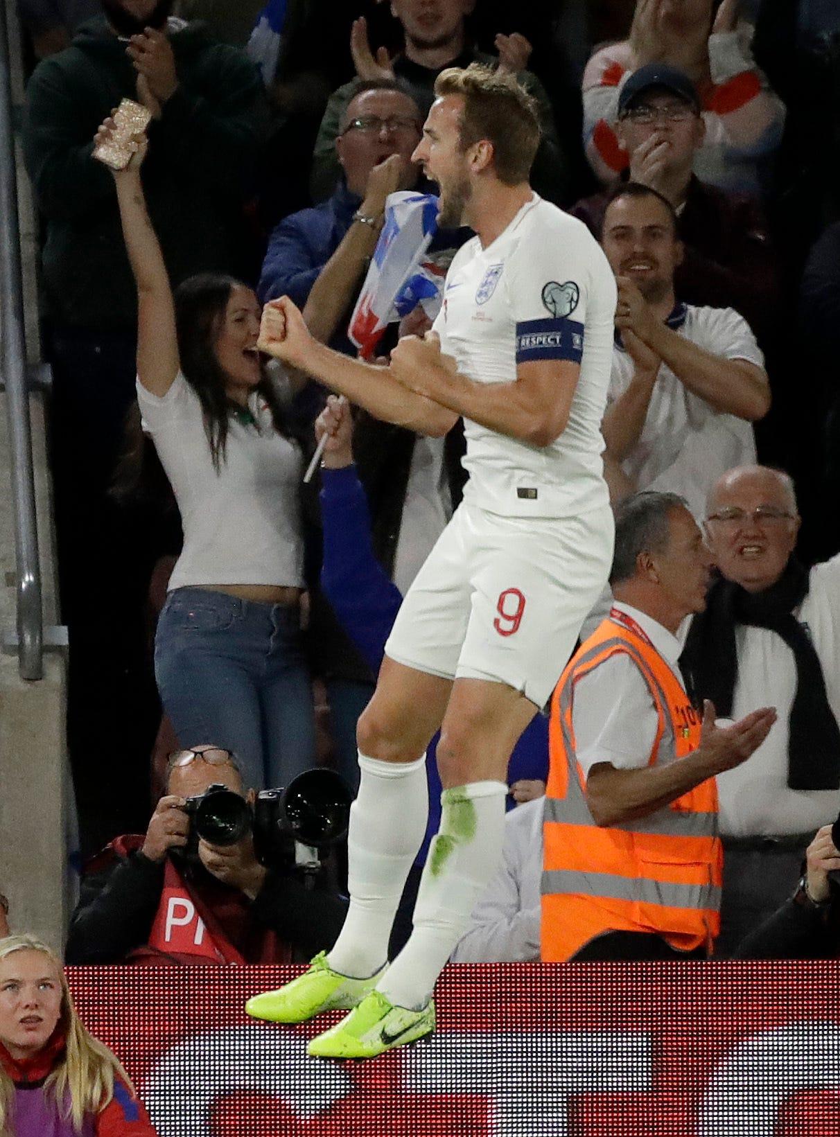 England beats Kosovo 5-3 in wild Euro 2020 qualifier