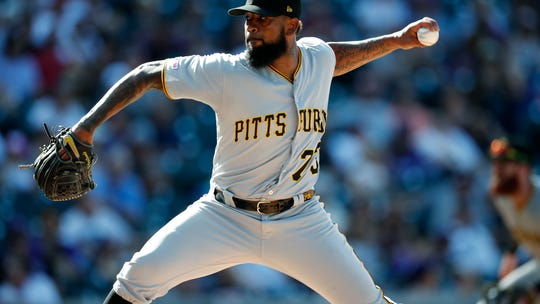 Report: Pirates' Felipe Vázquez could be deported if convicted of sex crimes