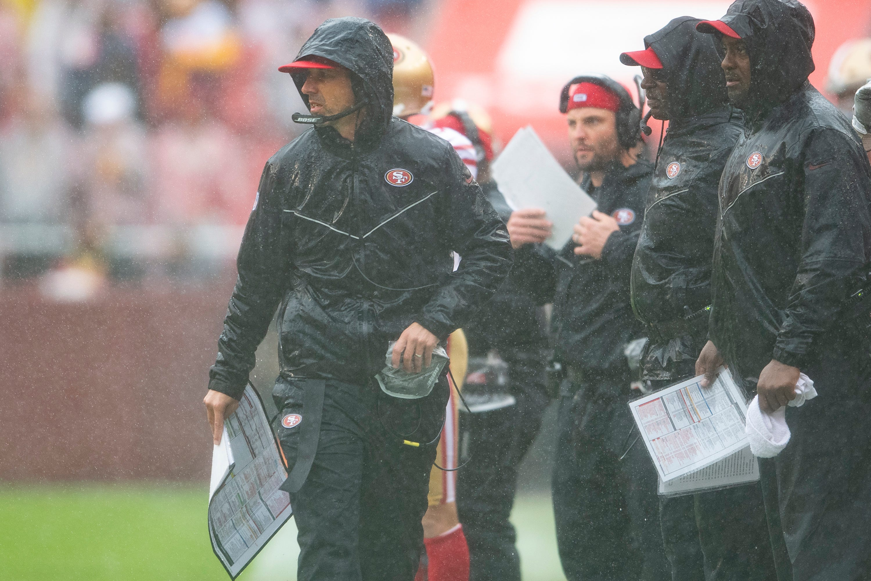 Kyle Shanahan gives game ball to Mike Shanahan after 49ers' win over Redskins
