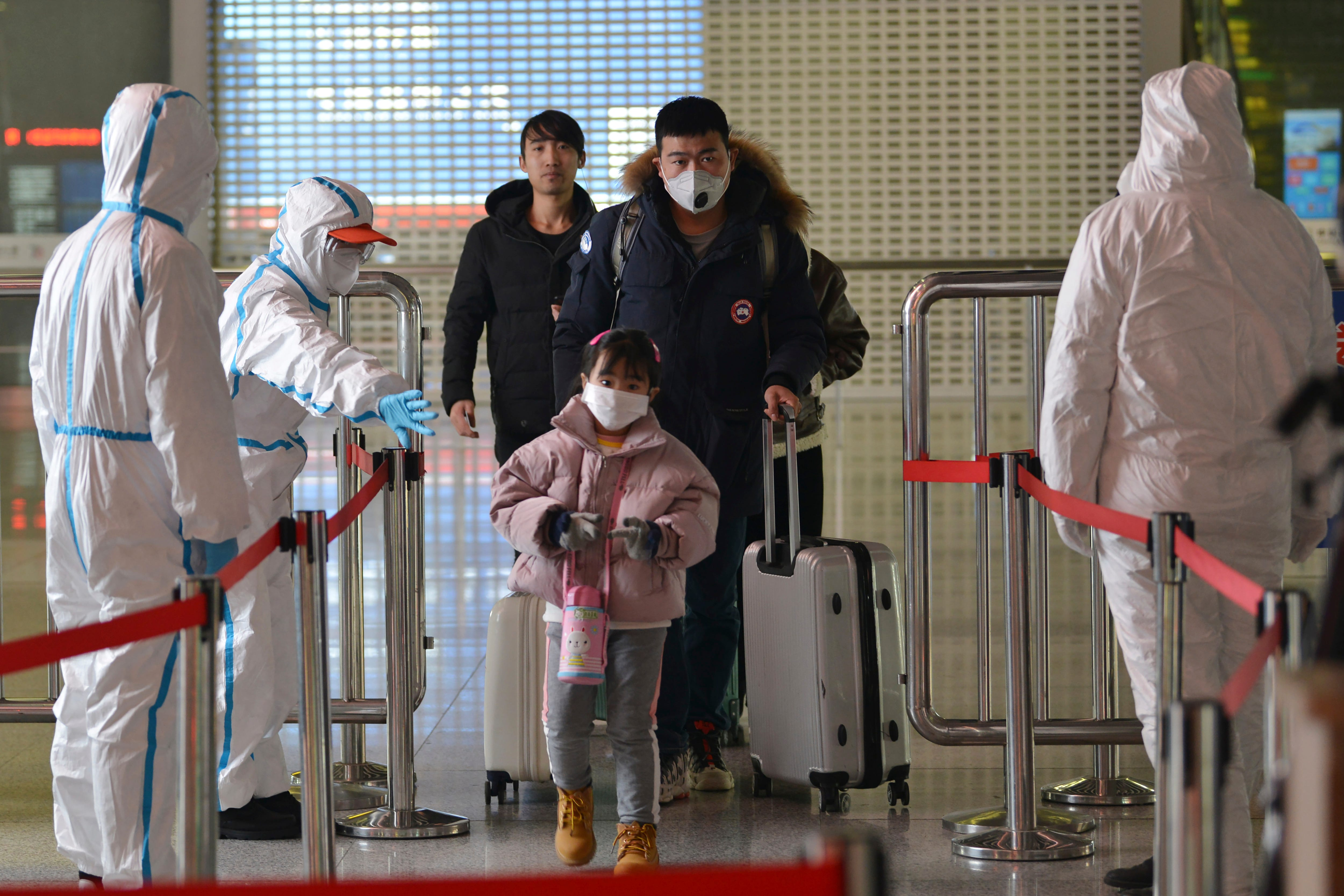 Coronavirus death toll surpasses SARS, as first American fatality reported in China