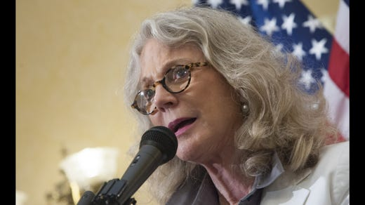 <strong>31. Blythe Danner&nbsp; &nbsp; &nbsp;</strong><br /> Occupation: Actress<br /> Actress Blythe Danner has enjoyed success in film, theater and television. She is also known as the mother of Gwyneth Paltrow. Danner won a Tony Award for her Broadway debut in &quot;Butterflies Are Free&quot; and appeared in films such as &quot;The Great Santini,&quot; &quot;Brighton Beach Memoirs,&quot; &quot;Meet the Parents,&quot; and &quot;Meet the Fockers.&quot; Both she and her daughter were Girl Scouts.&nbsp;