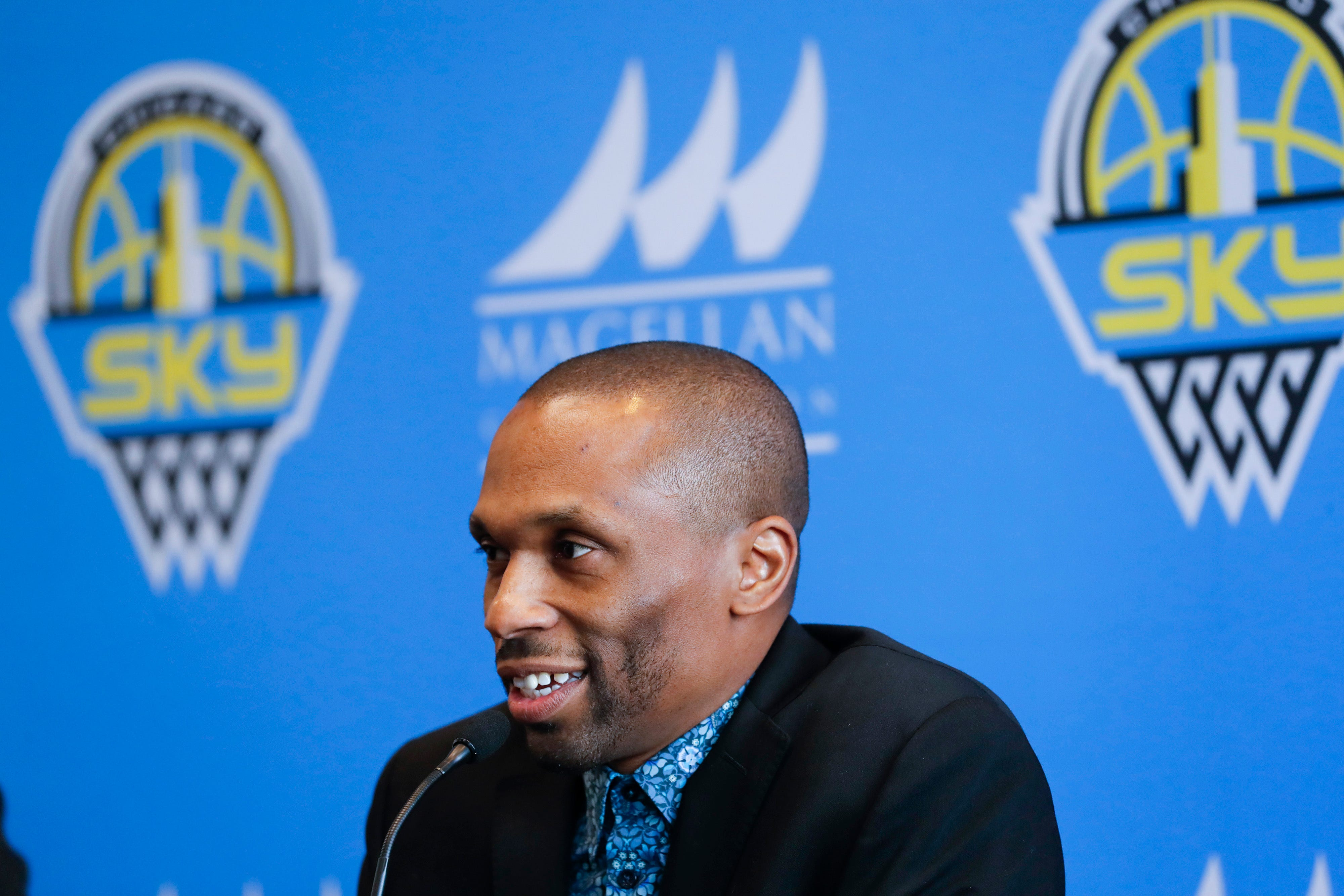 Report: Chicago Sky file complaint with WNBA after coach James Wade said official used racist term